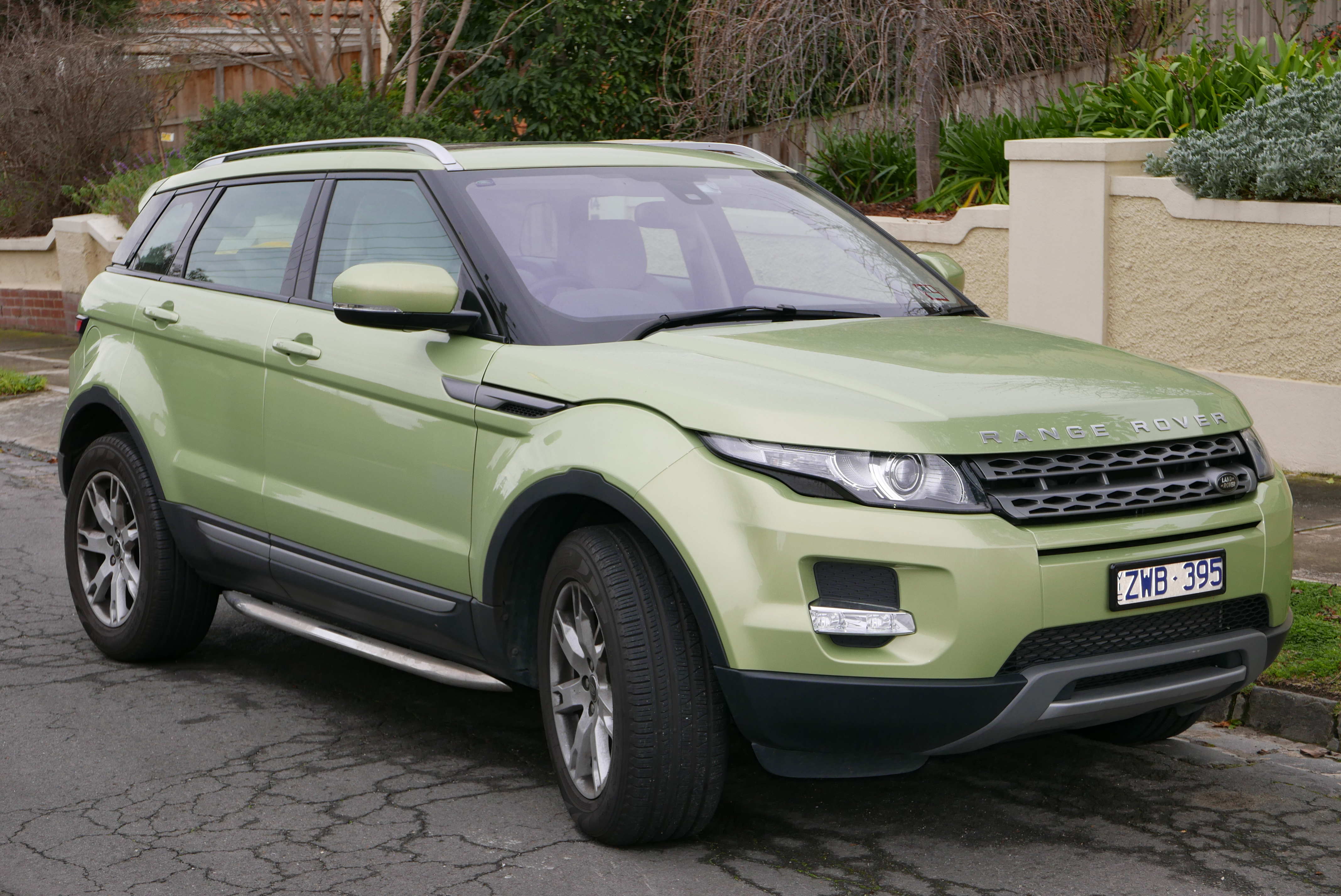 file 2013 land rover range rover evoque l538 my13 sd4 pure 4wd 5 door wagon 2015 07 24 01. Black Bedroom Furniture Sets. Home Design Ideas