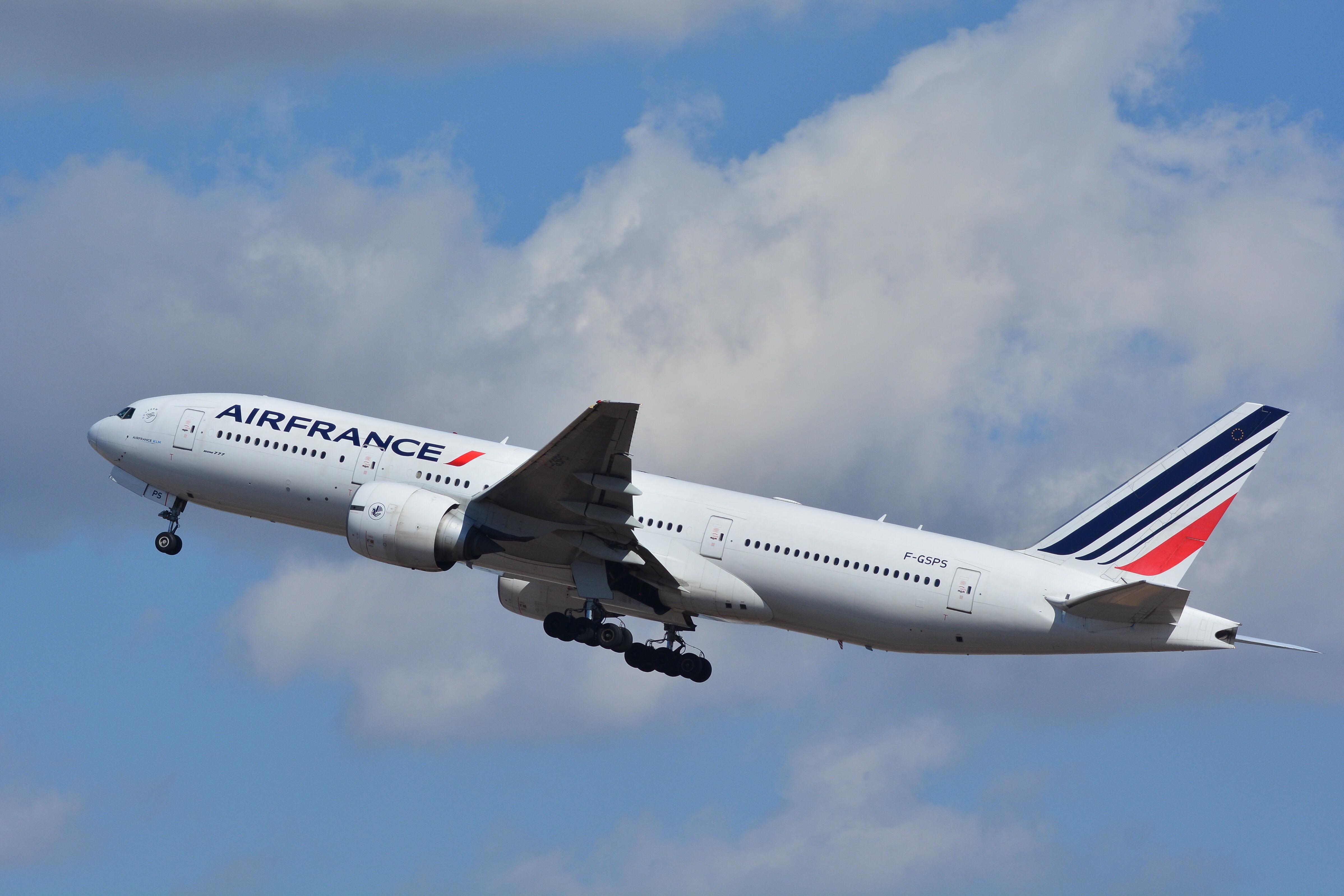 Airfrance, Boeing 777-200ER F-GSPS NRT (24288438363).jpg