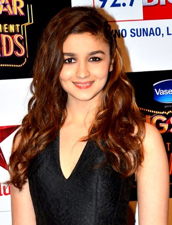Alia Bhatt Age, Weight, Height, Figure, Family, Affairs, Wiki And Controversies