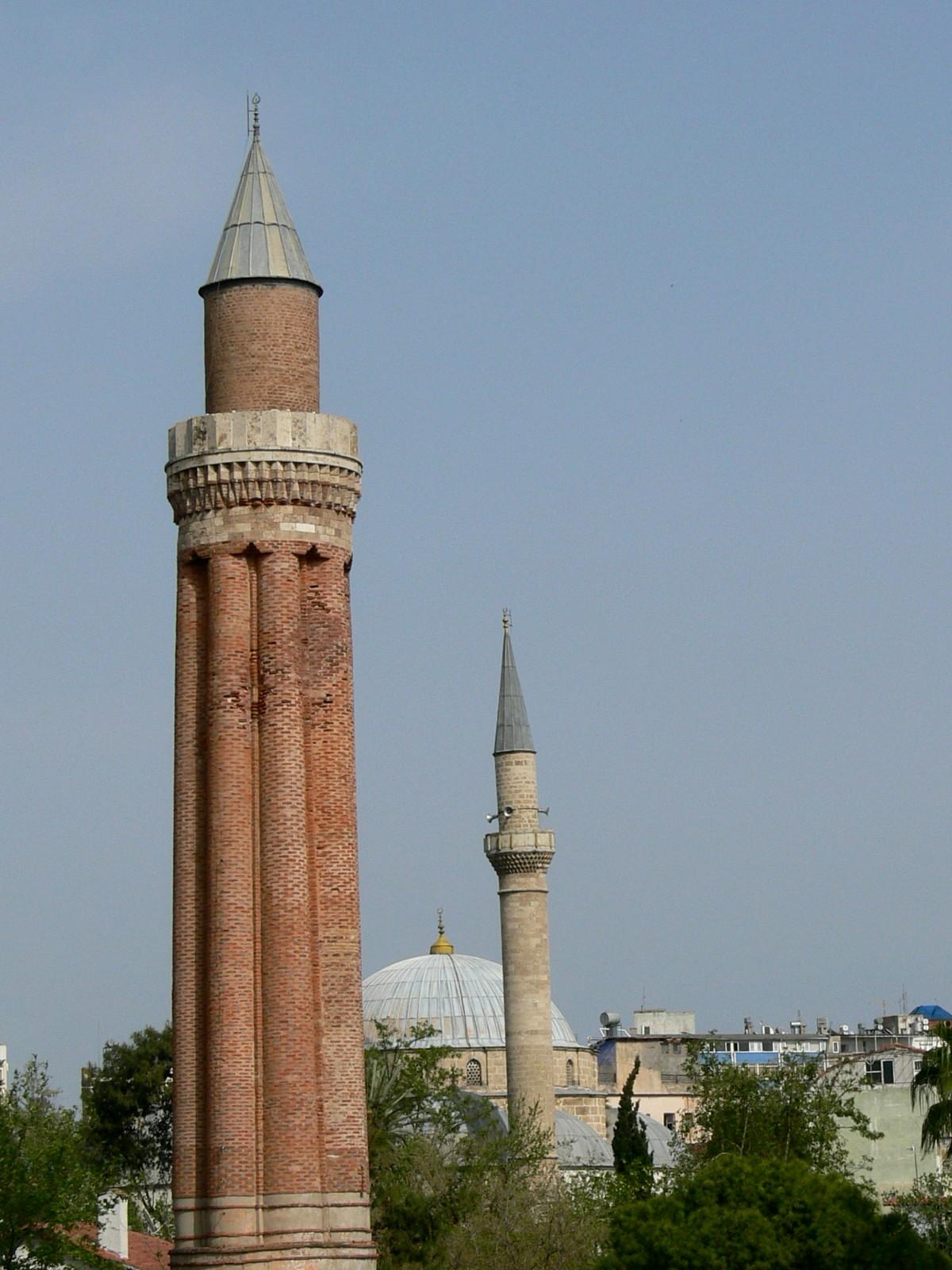 File:Antalya - Yivli-Minarett.jpg - Wikimedia Commons
