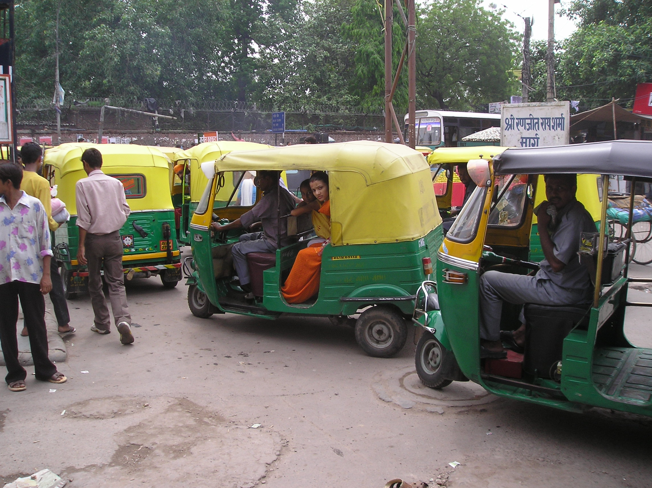 File auto rickshaws jpg