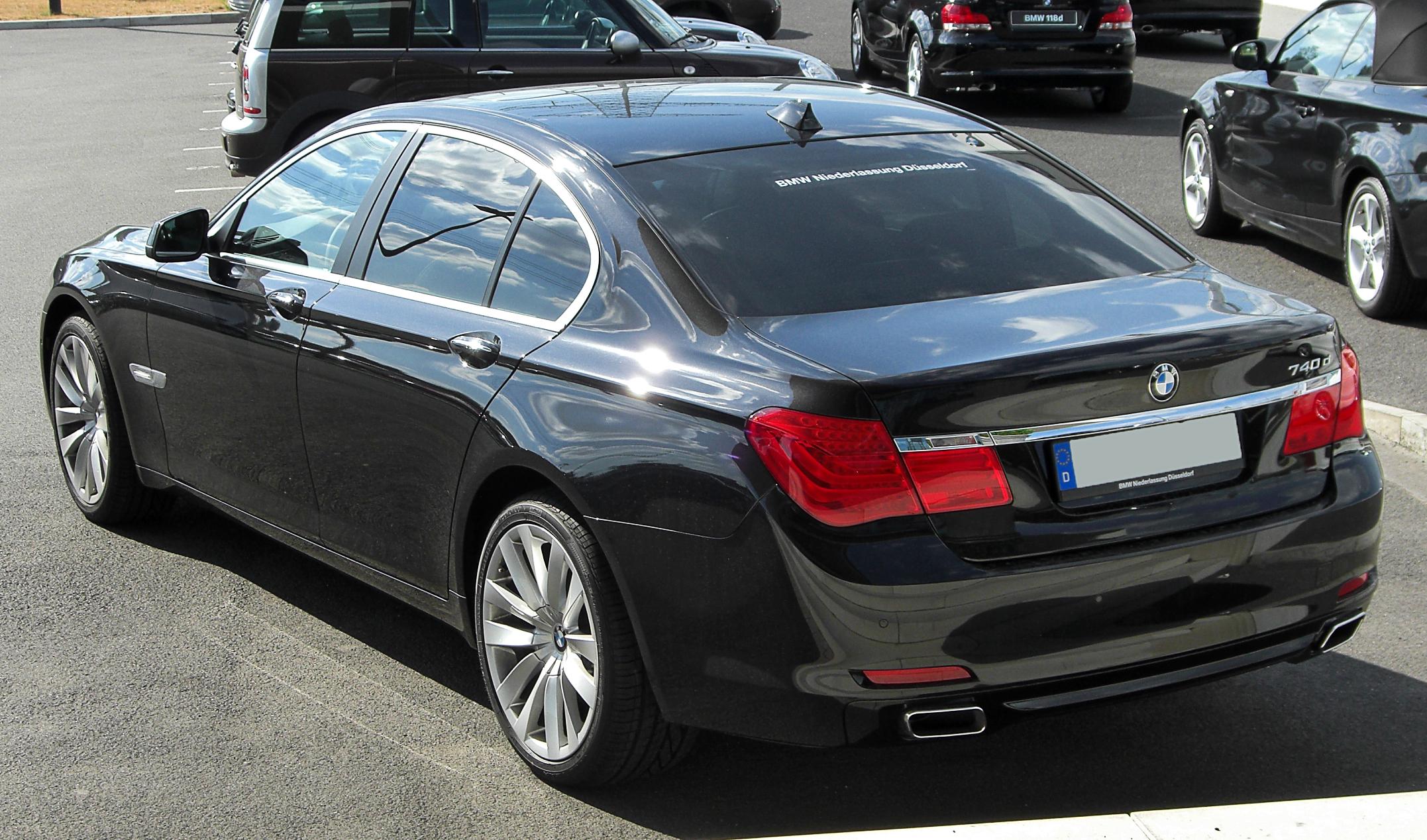 Bmw Rims 22 Inch >> File:BMW 740d (F01) rear 20100724.jpg - Wikimedia Commons