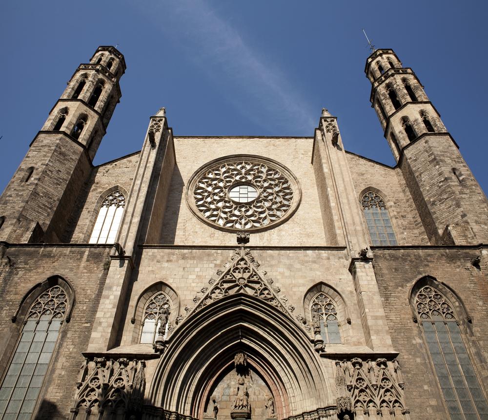 Façade de l'église Santa Maria del Mar de Barcelone - Photo de PMRMaeyaert.