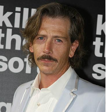 Ben Mendelsohn portrayed Warren from 1986 to 1987.