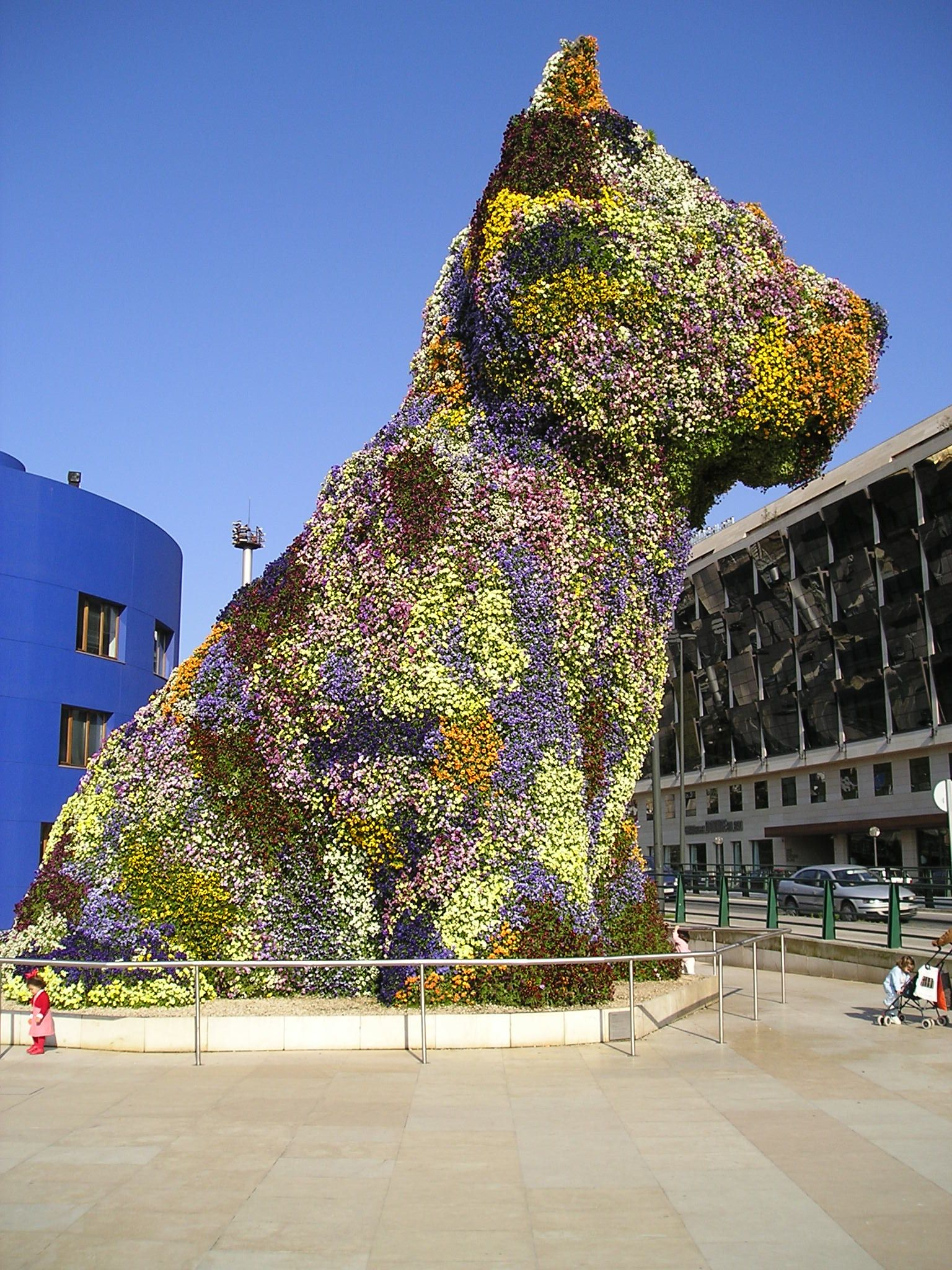 An analysis of the puppy and the artists work by jeff koons