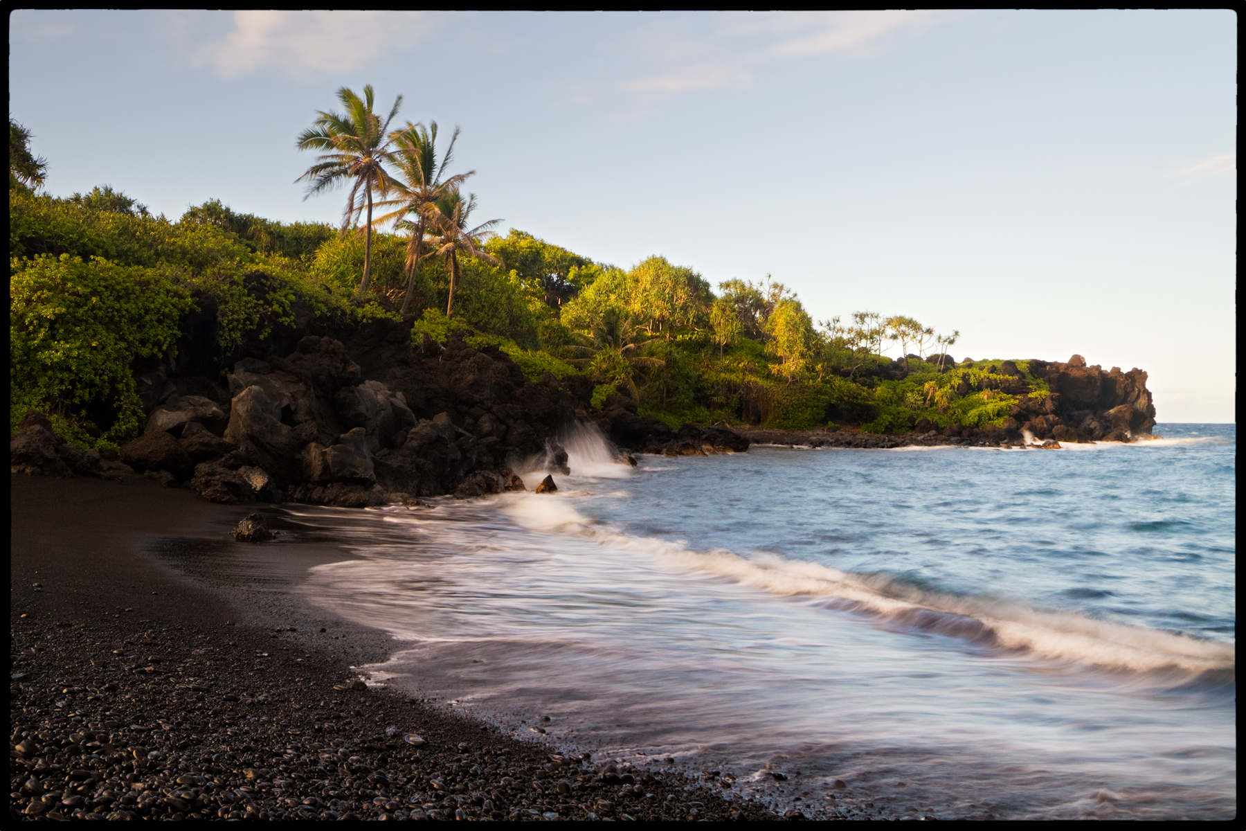 File Black Sand Beach Maui 6122971640 Jpg Wikimedia
