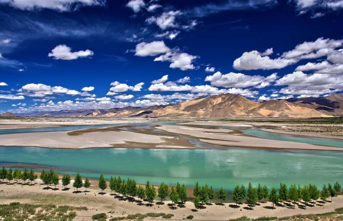 File:Brahmaputra River, Shigatse.jpg  Wikimedia Commons