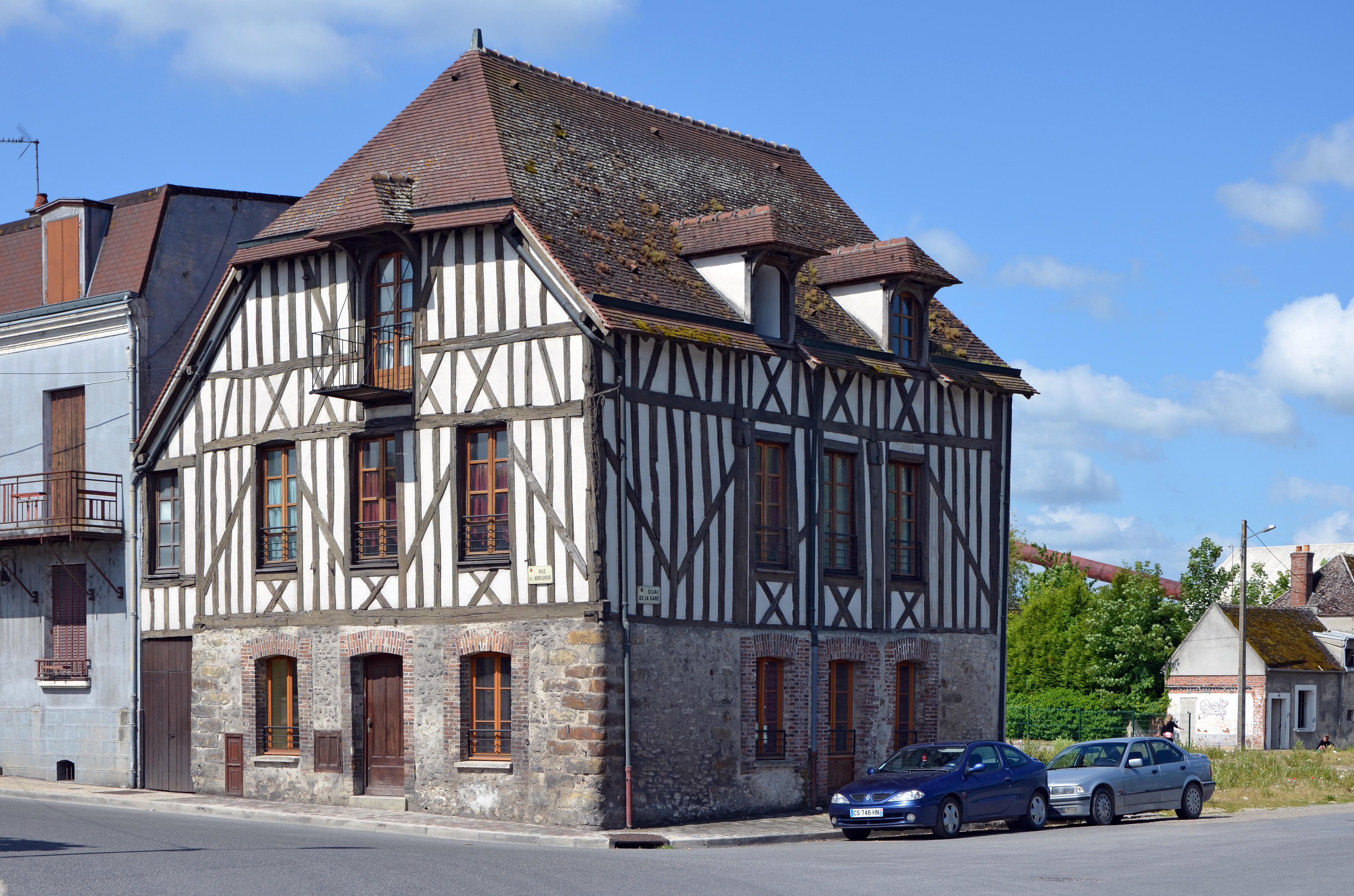 File bray sur seine maison de la rue de l 39 abreuvoir dpt for Constructeur maison seine et marne