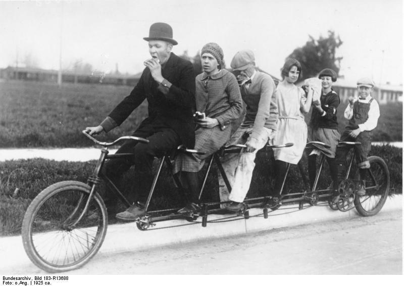 File:Bundesarchiv Bild 183-R13688, Tandem-Fahrrad.jpg