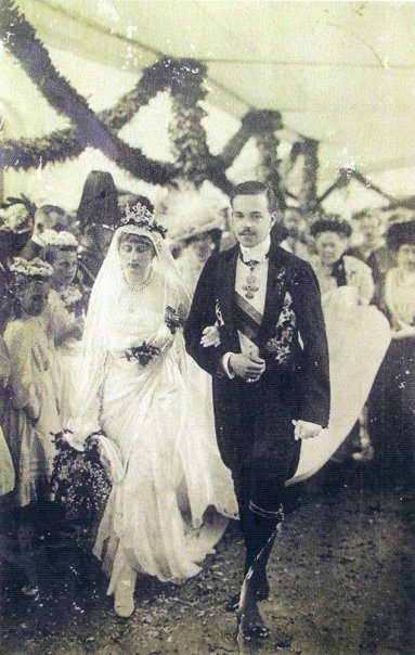 Manuel II and Augusta Victoria's wedding at Sigmaringen Castle. Casamento Real d'El-Rei D. Manuel II.jpg