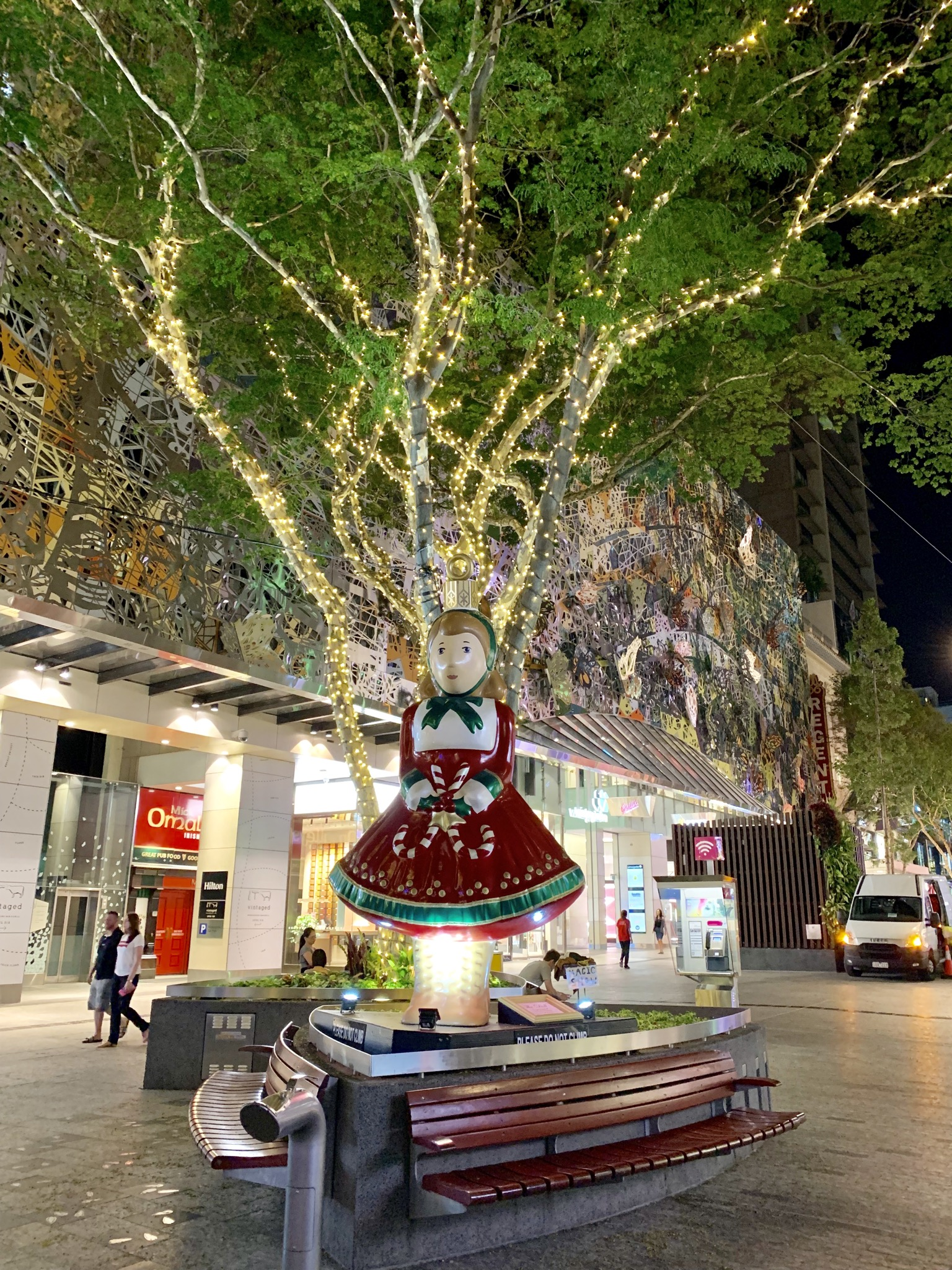 File Christmas Decorations In Queen Street Mall Brisbane