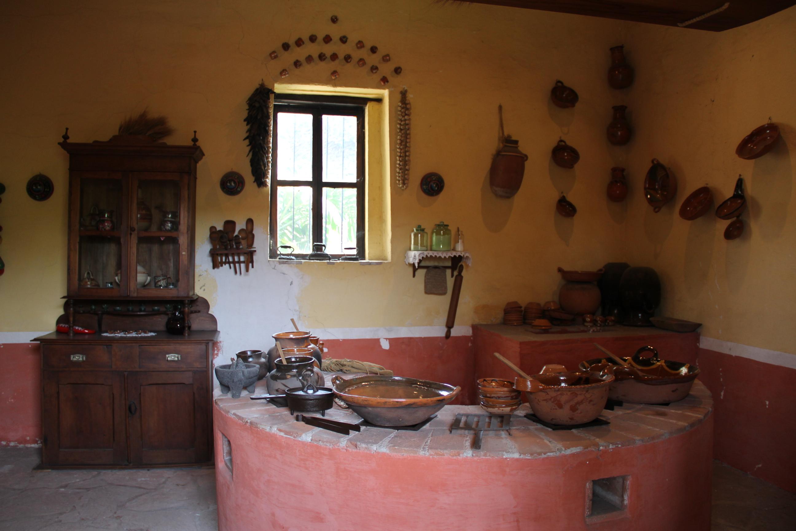 File cocina de la hacienda original en el museo de sitio for Cocinas rusticas mexicanas