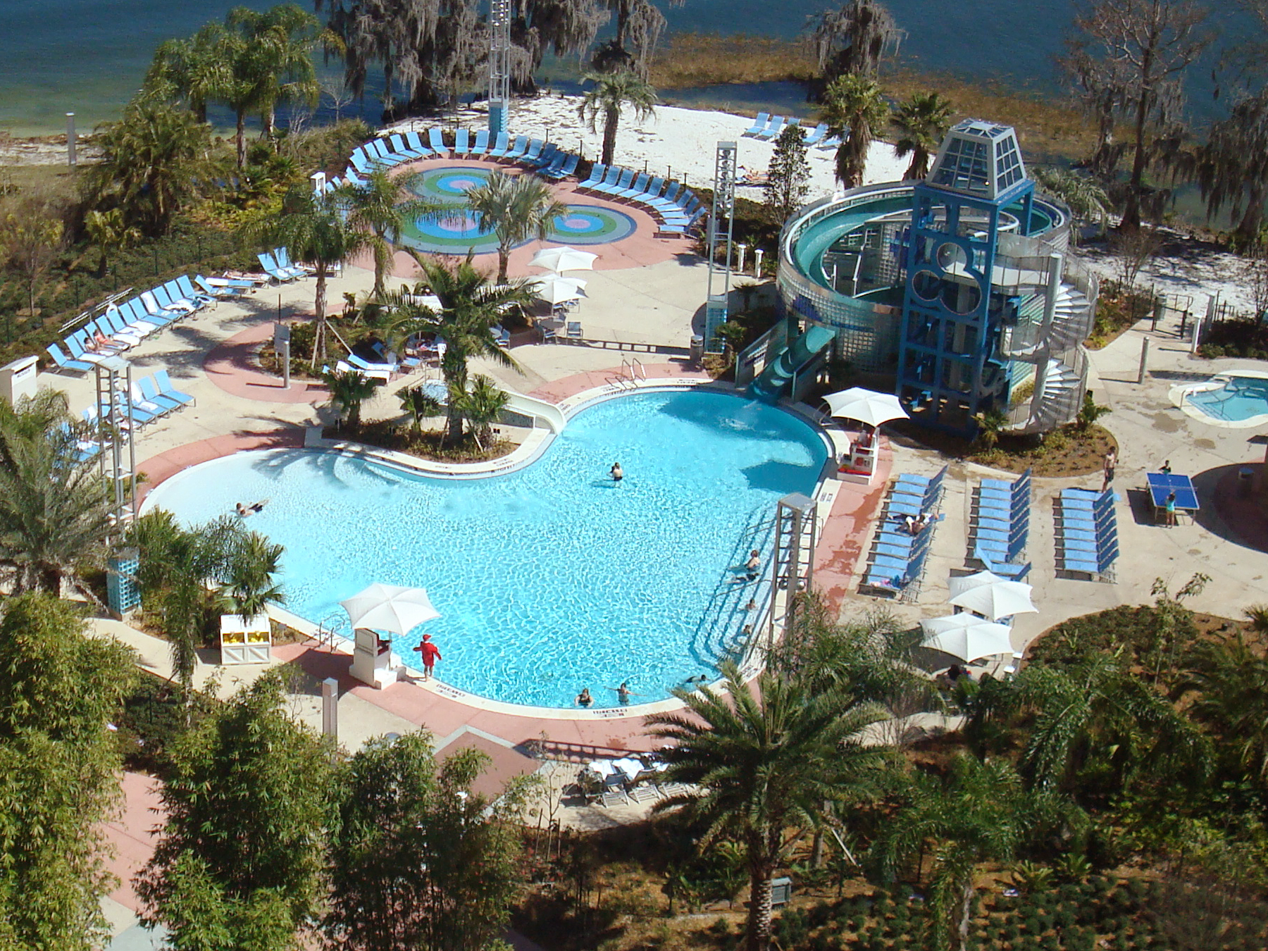 File:Contemporary blt baycove pool.jpg - Wikimedia Commons