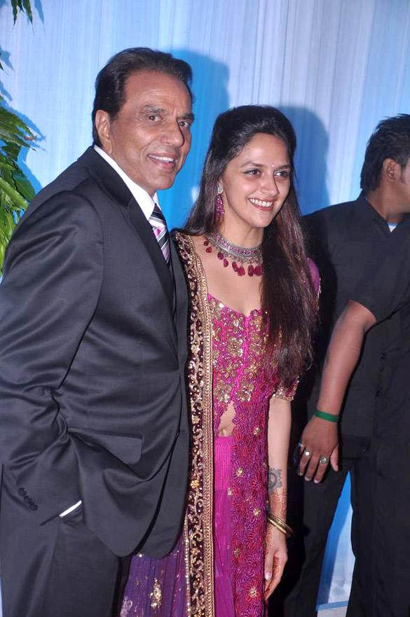 Filedharmendra Ahana Deol At Esha Deols Wedding Reception 04g