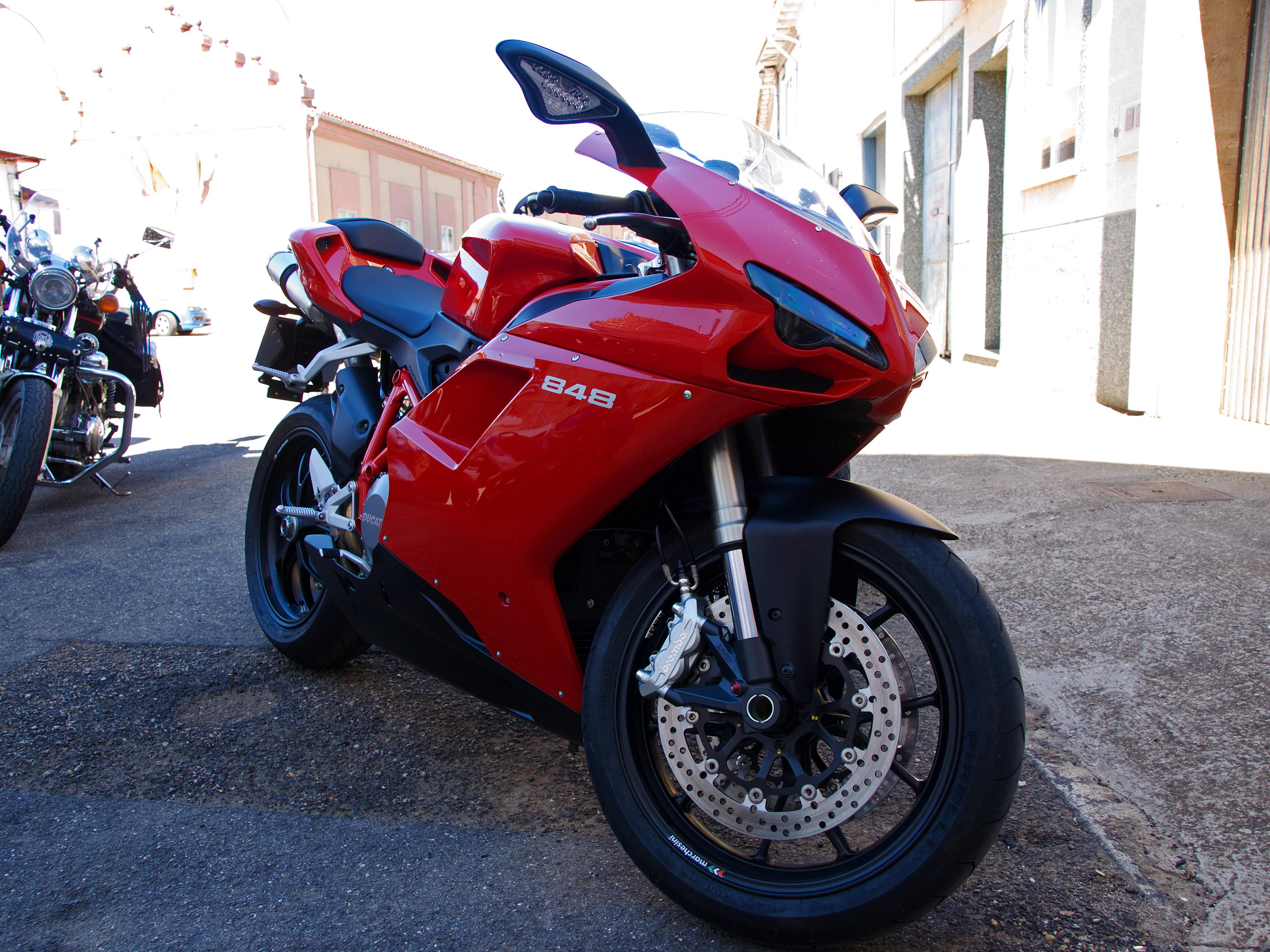 File:Ducati 848 20090830.jpg