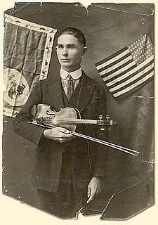 Eck Robertson American old-time fiddler player