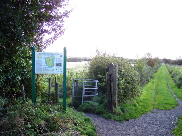 Entrance to Paddington Meadows nature reserve - geograph.org.uk - 1009605