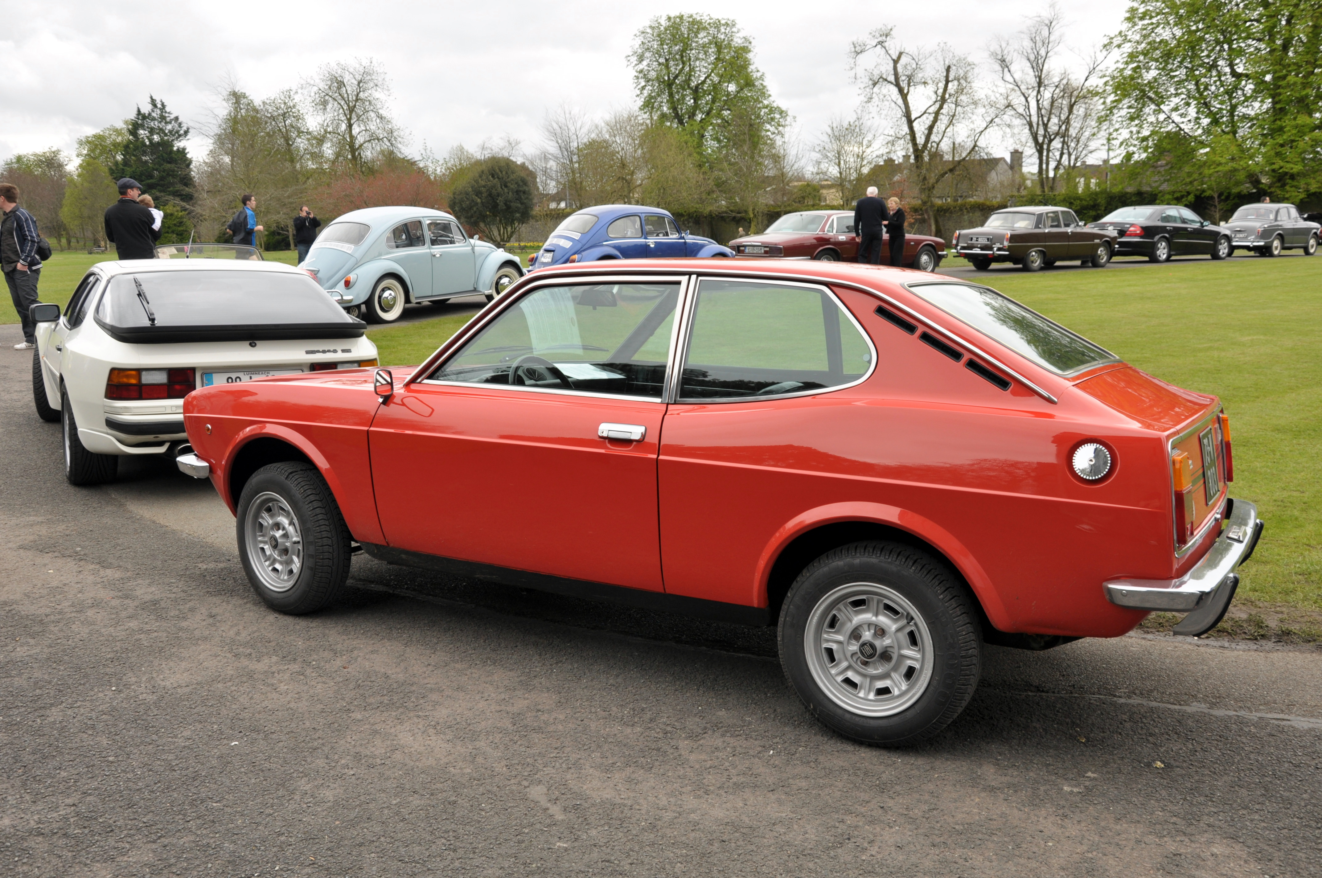 Description FIat 128 Coupe.jpg