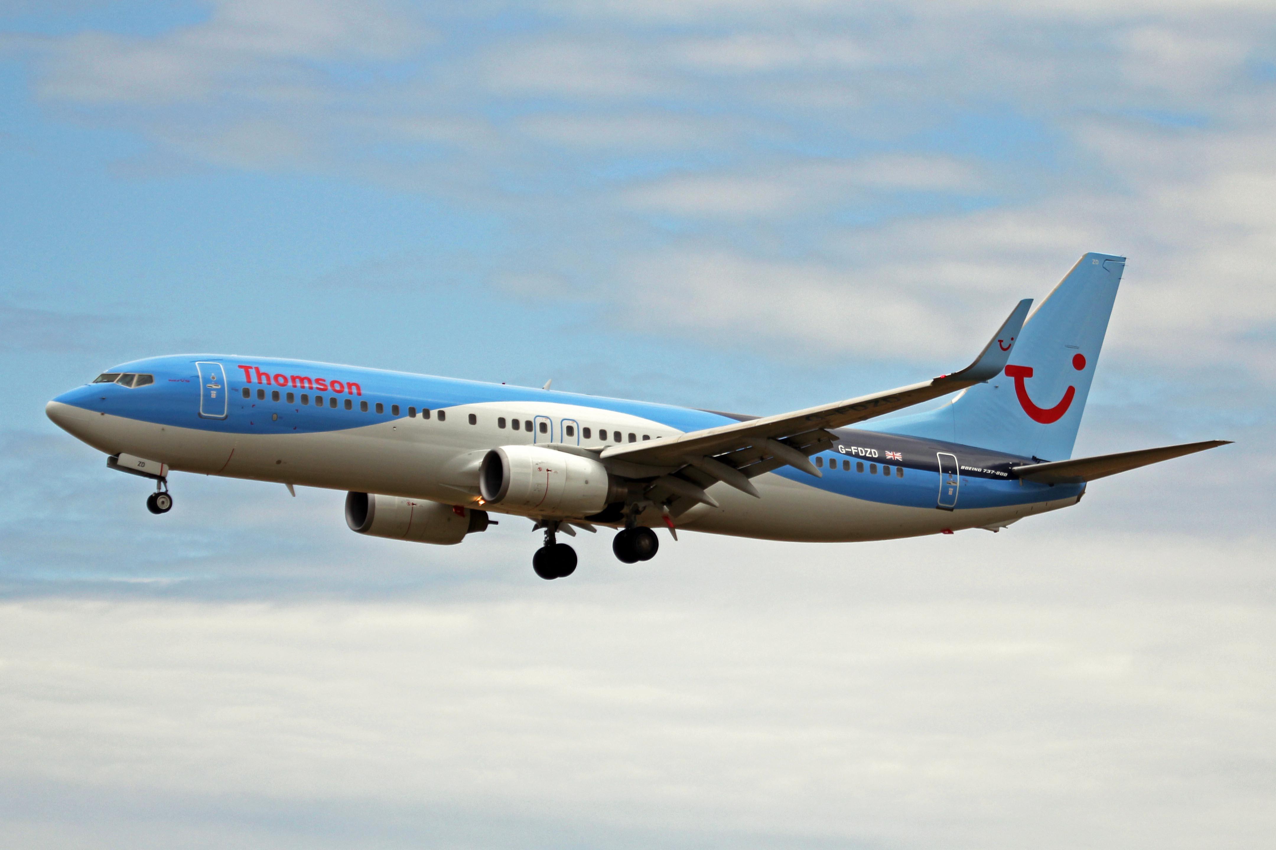 Resultado de imagen para tui airways Boeing 737 wiki