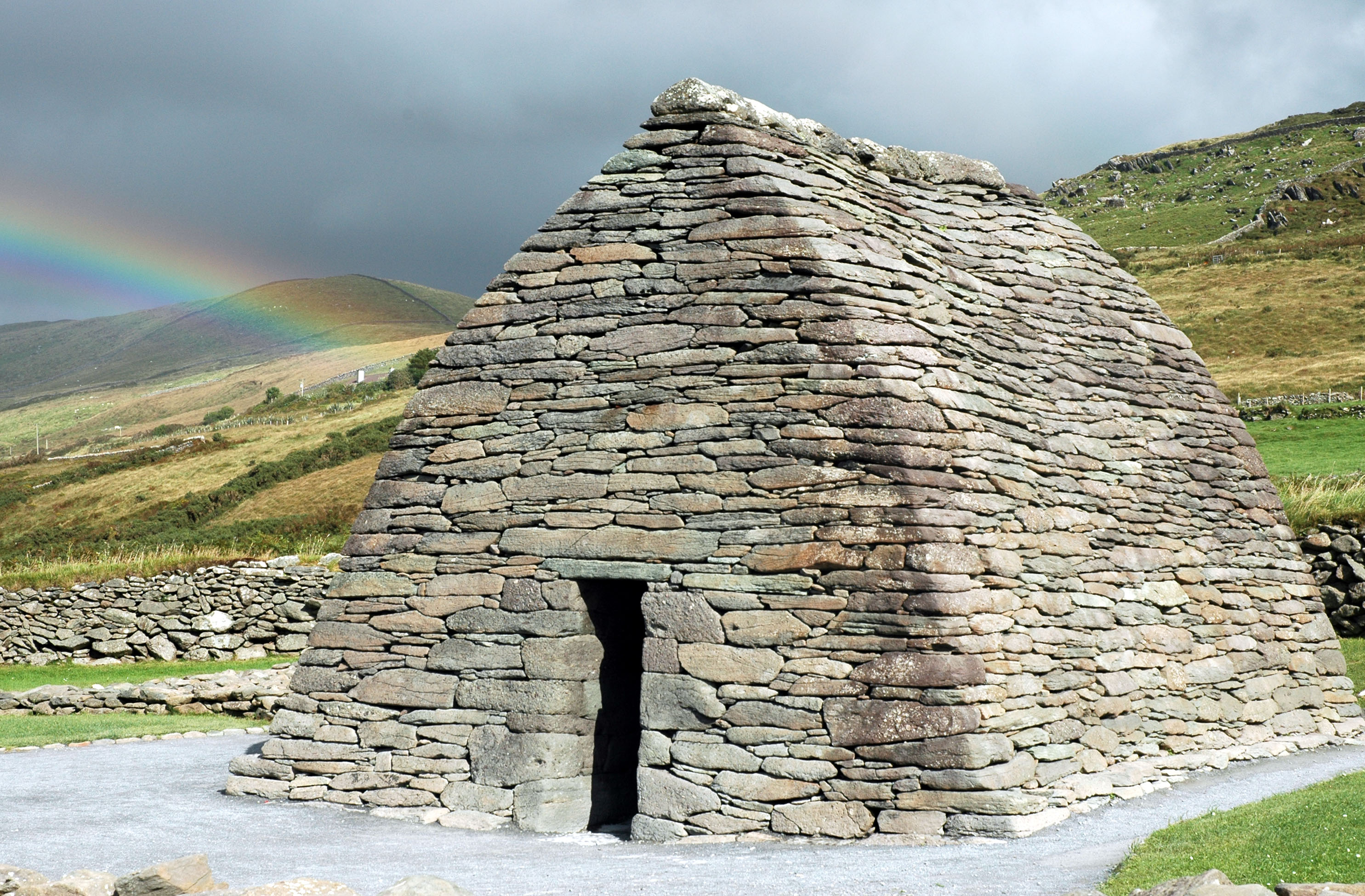 FileGallarus Oratory Rainbow Jpg Wikimedia Commons - Irish landmarks