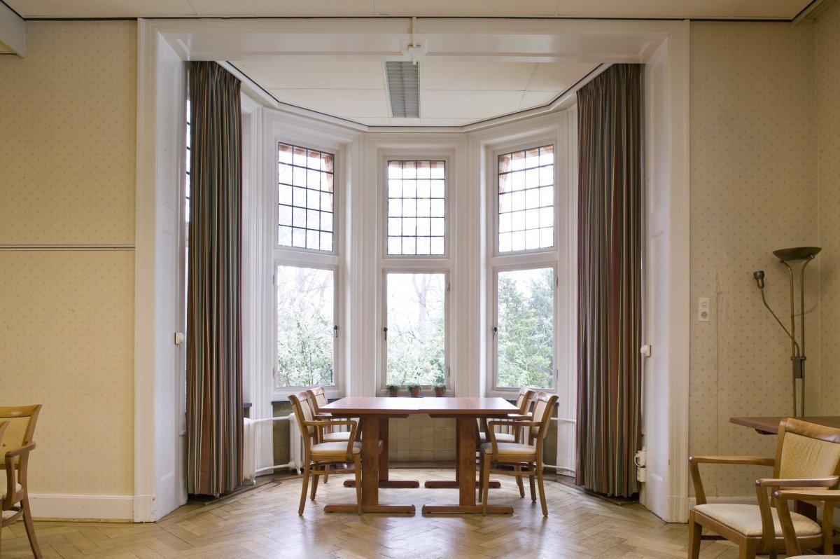 File:Interieur, overzicht van de erker in zaal 9 op de eerste ...