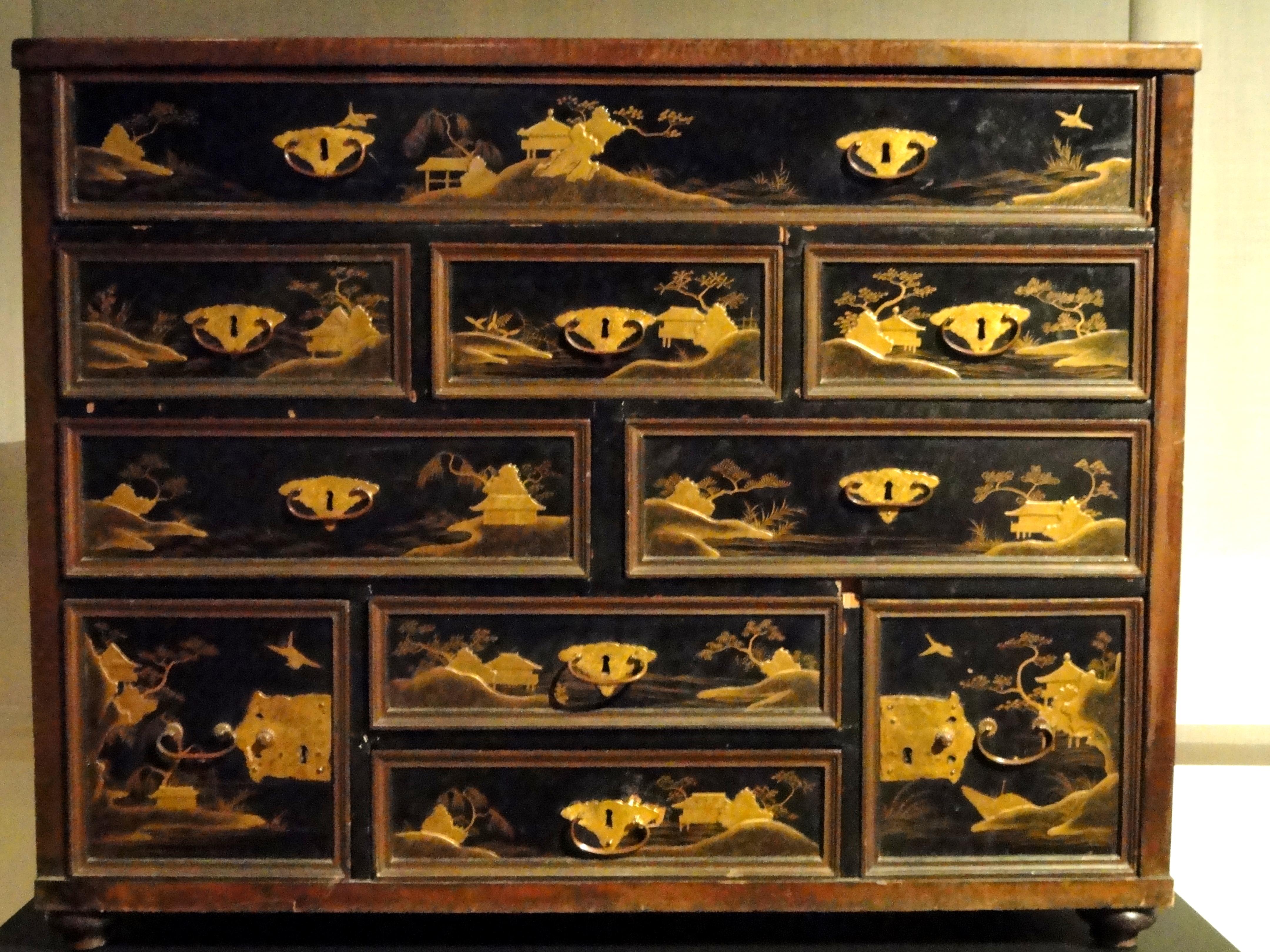 Exceptional File:Japanese Lacquer Cabinet   Staatliches Museum Für Völkerkunde München    DSC08404.JPG