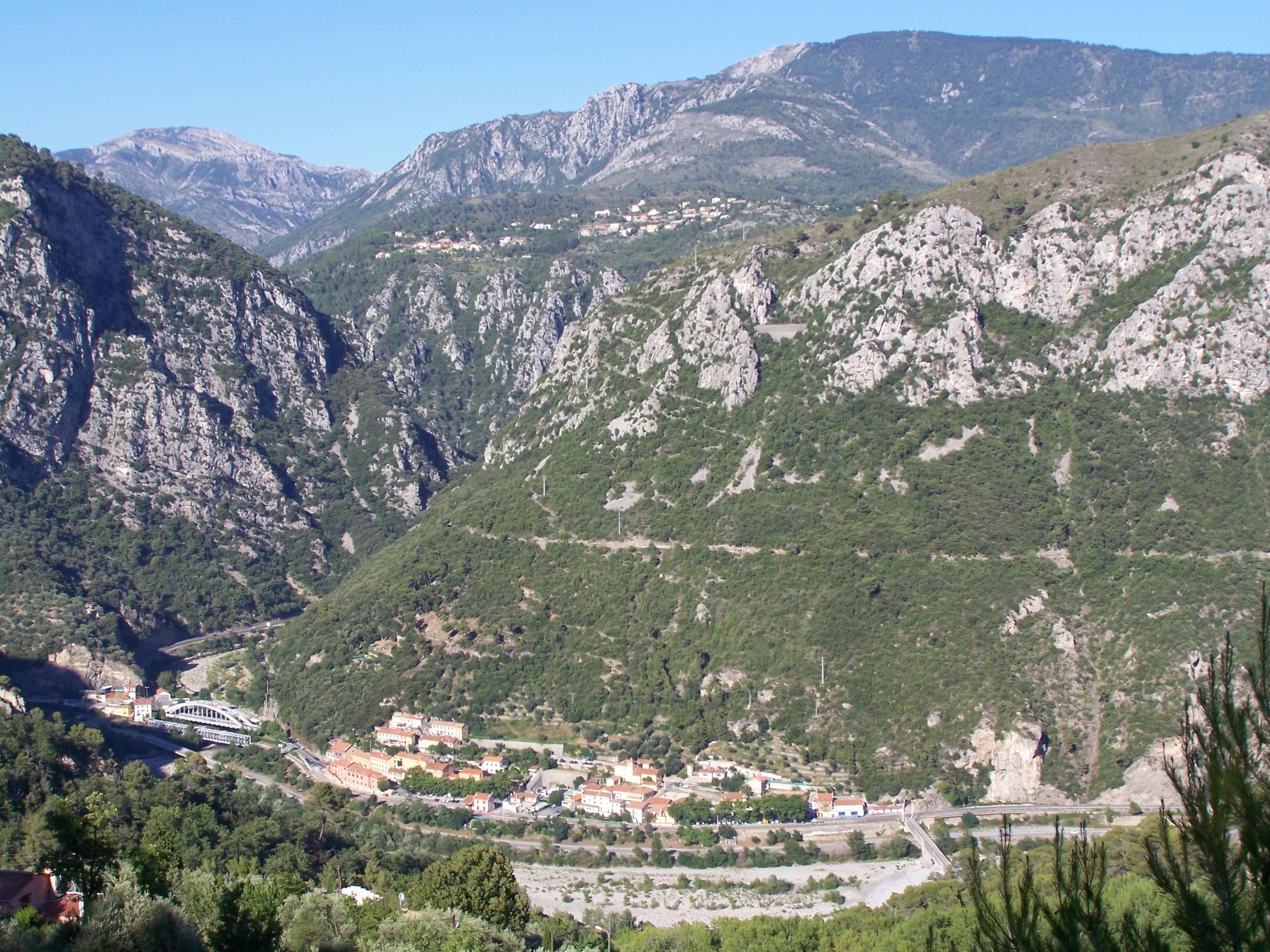 File:Levens Plan-du-Var.jpg - Wikimedia Commons