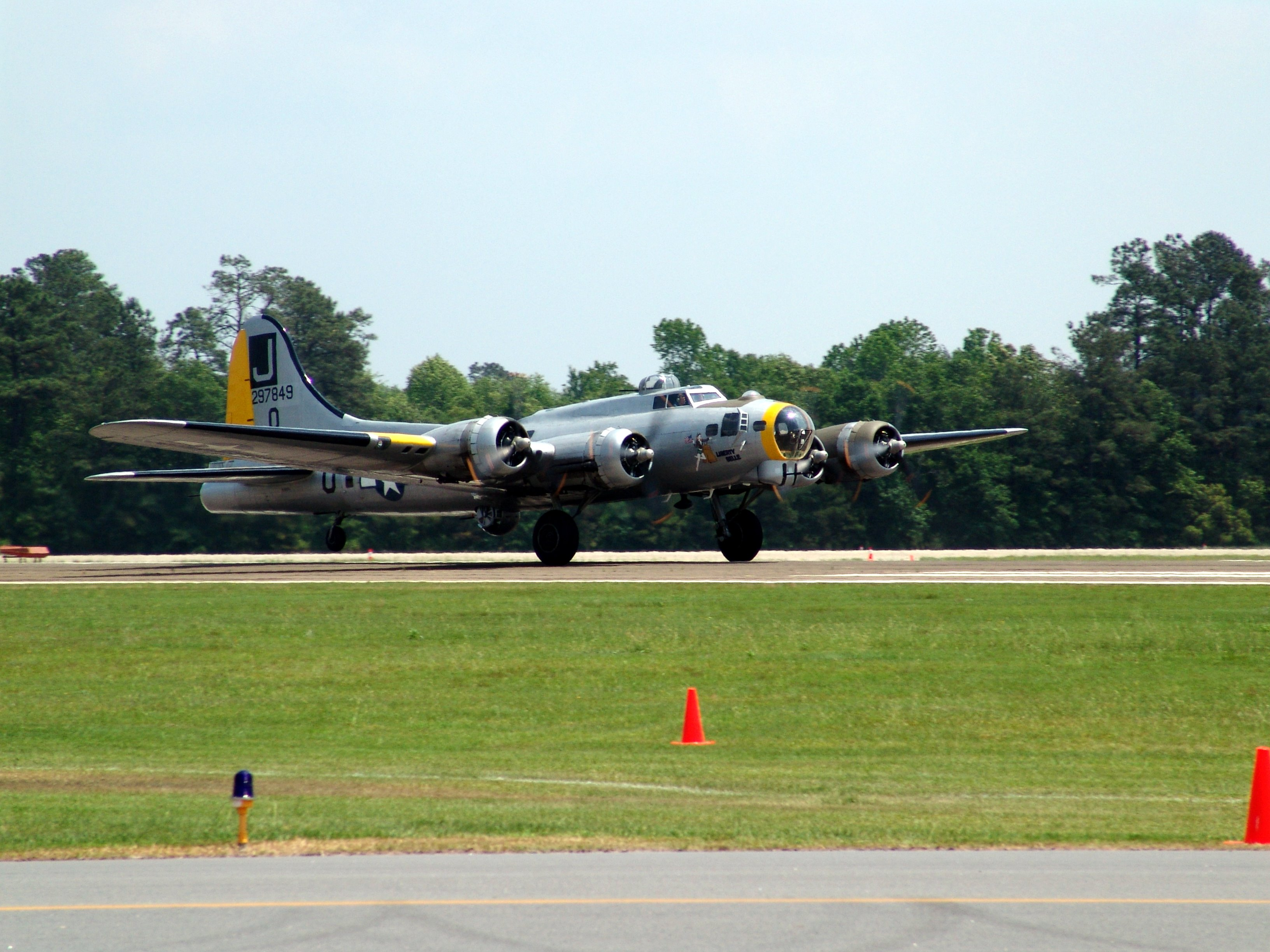 Liberty Belle (aircraft) - Wikipedia