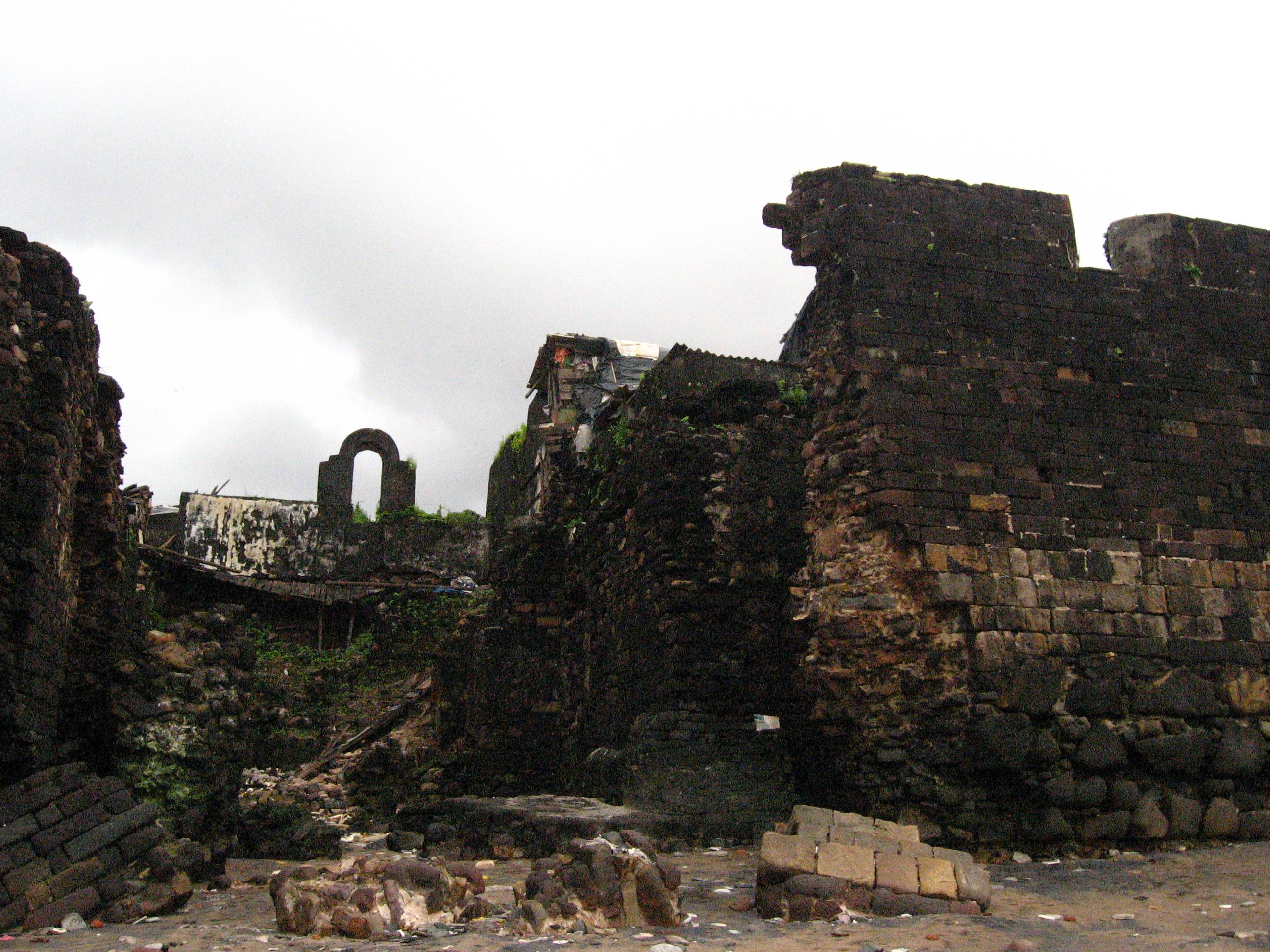 Mahim Fort 8