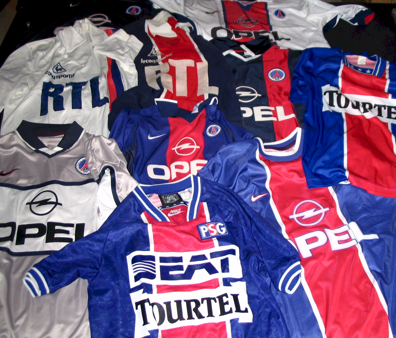 File:Maillots du PSG.png - Wikipedia, the free encyclopedia