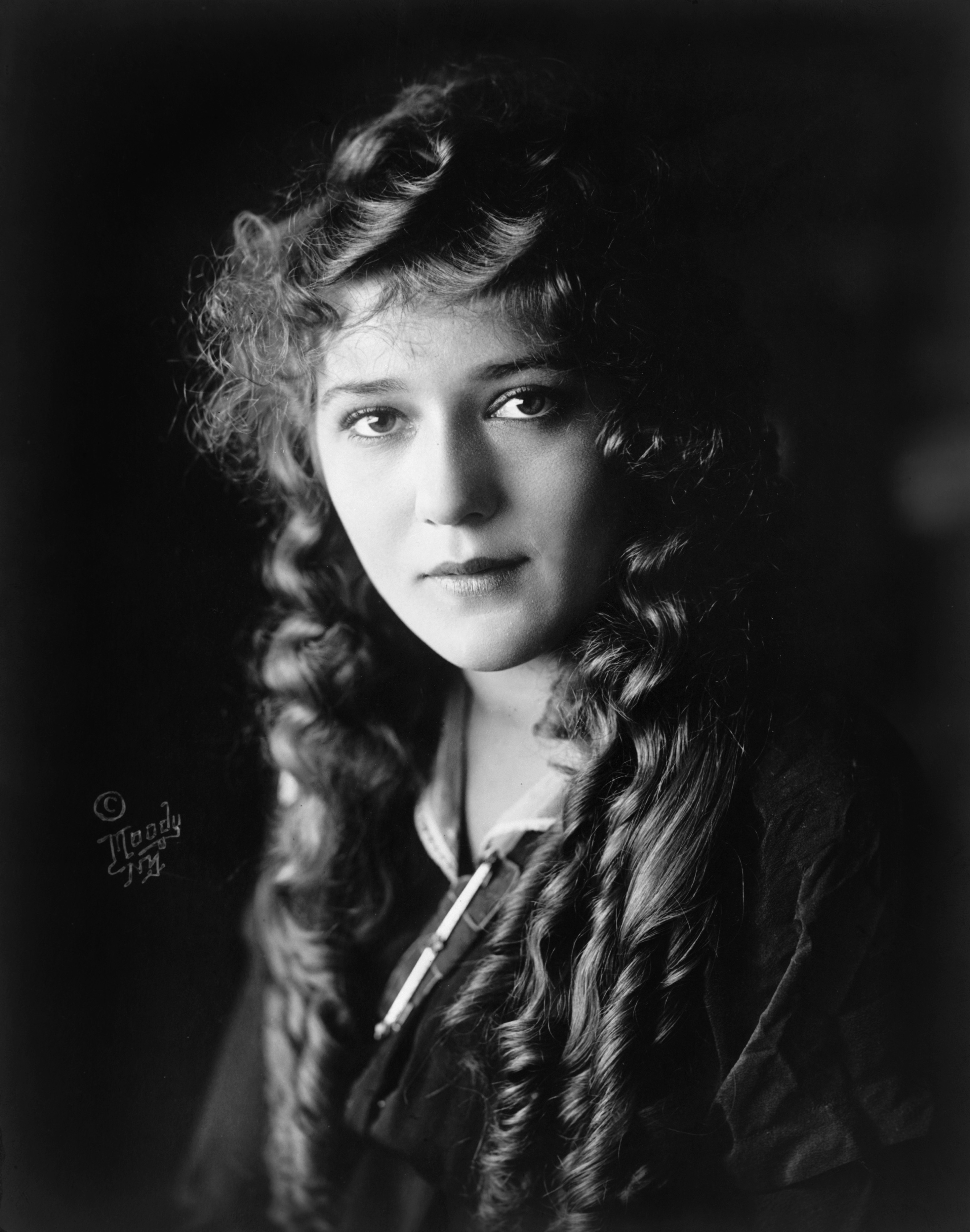 Studio photo of Mary Pickford c. 1914