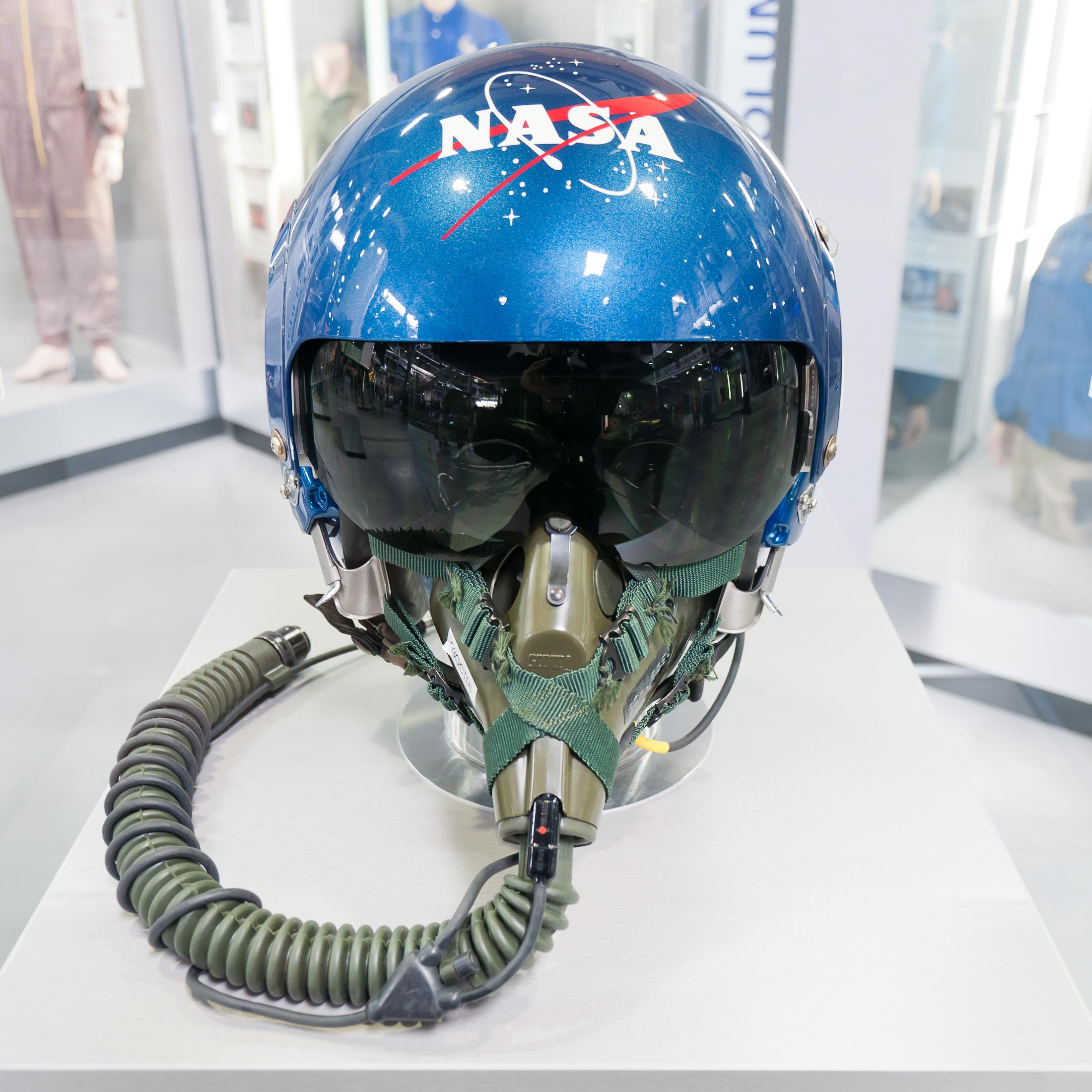 nasa pilot helmet - photo #18