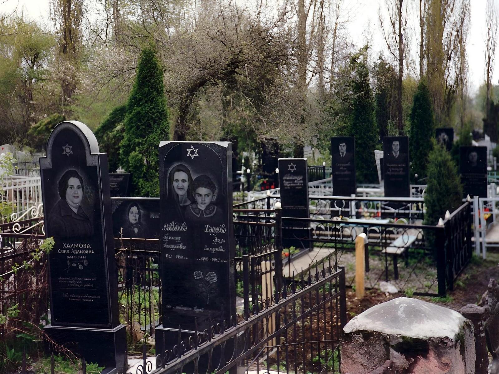 Как выгляит кладбище в грузии