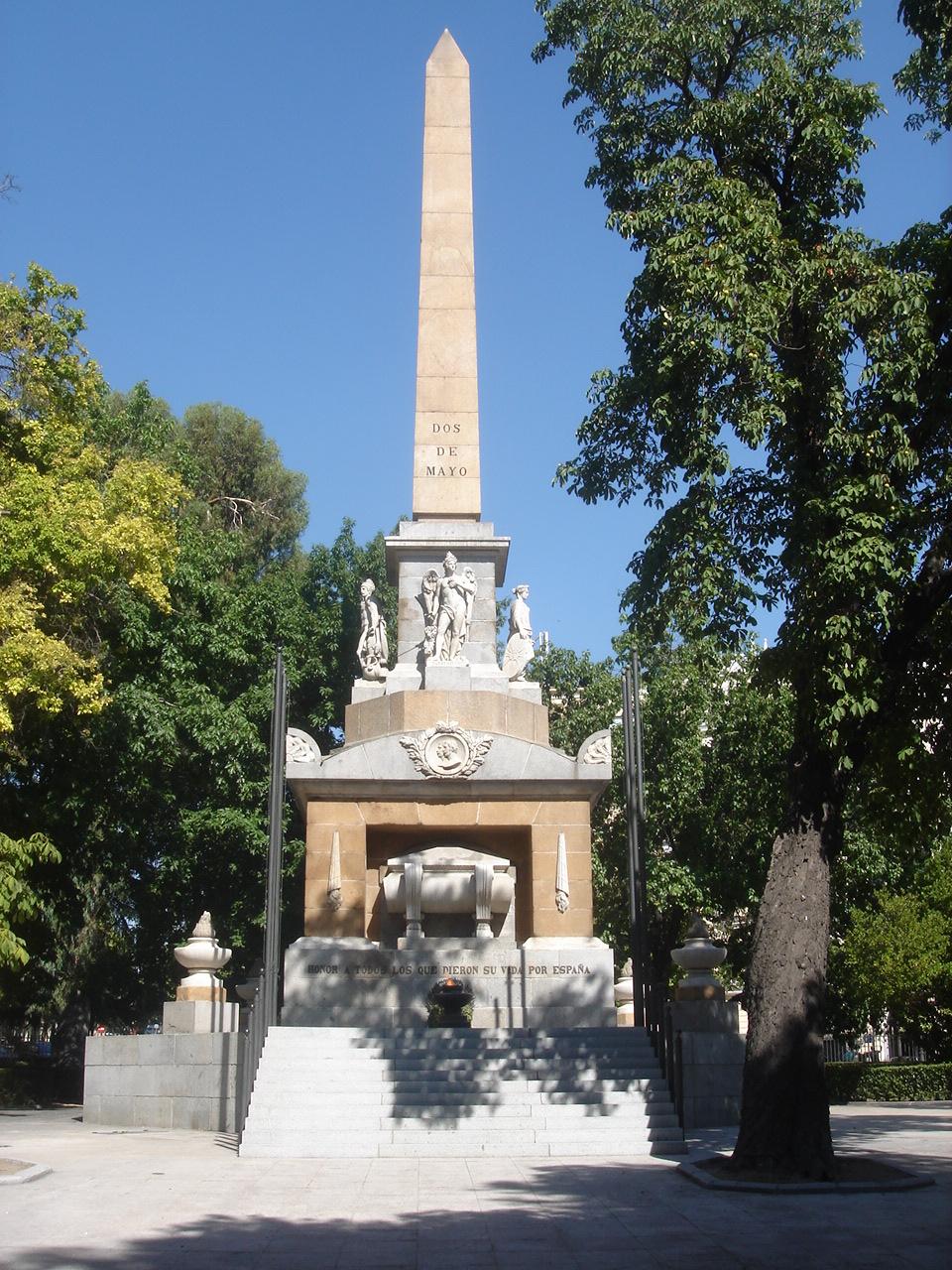 EJÉRCITO DE TIERRA ESPAÑOL - Página 2 Obelisco_Dos_de_mayo_%28Madrid%29_03