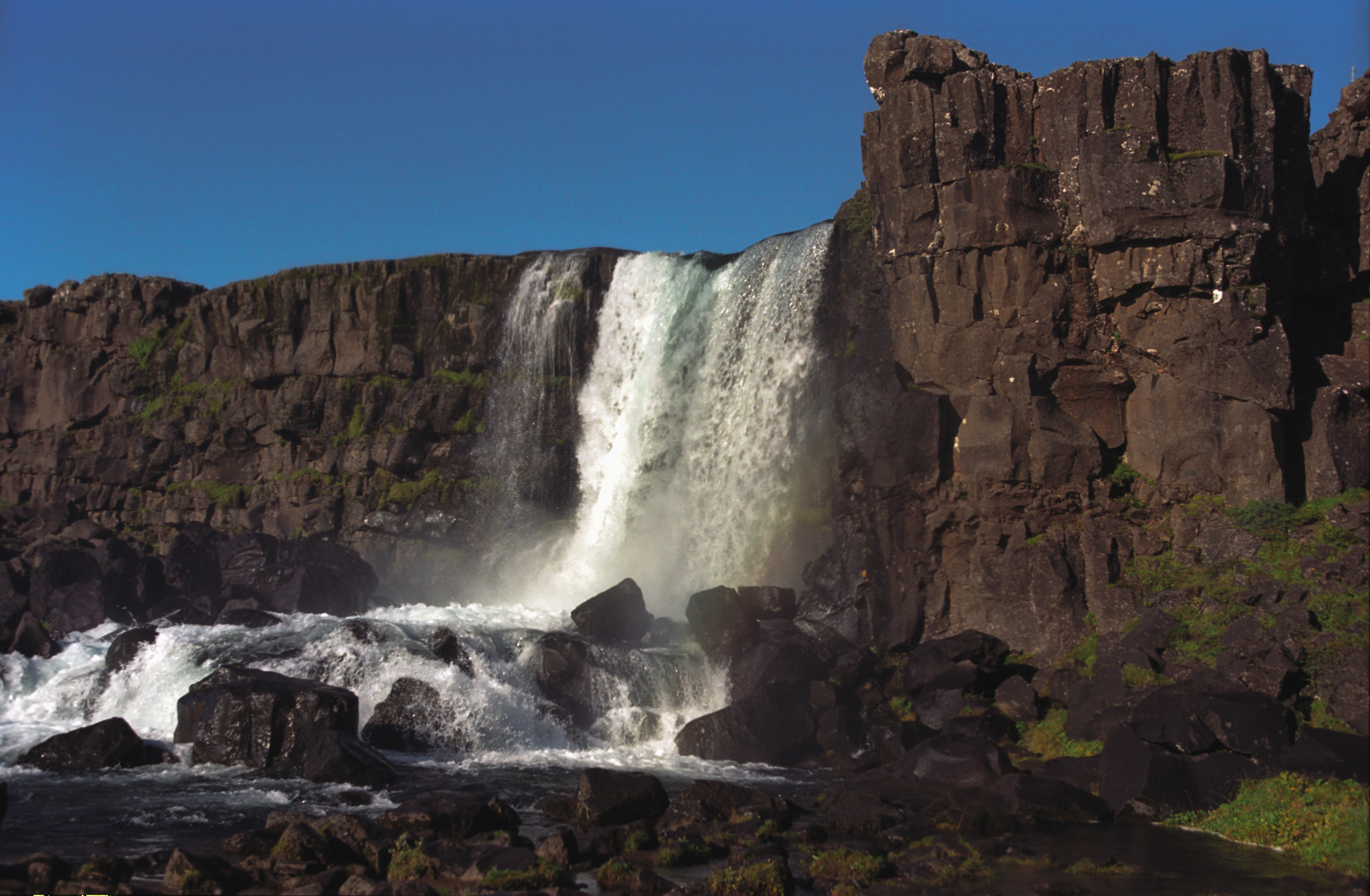 Wondrous Waterfalls in Iceland [60 PICS]