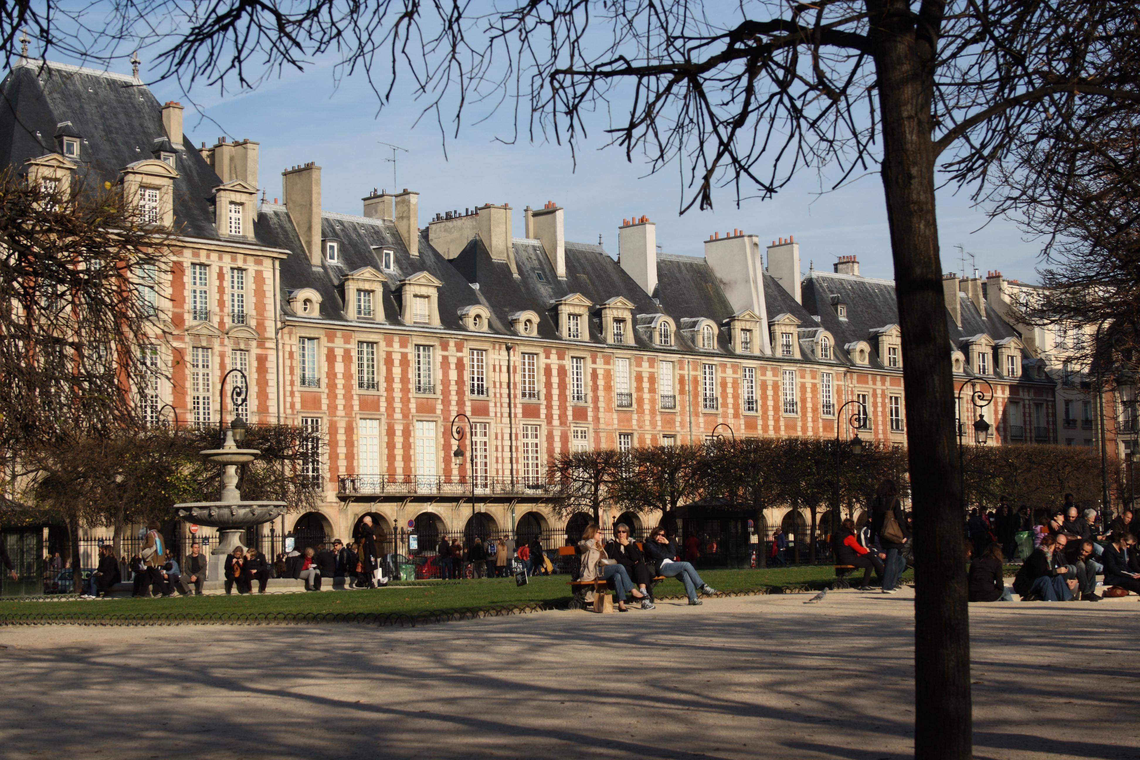 File Paris Place Des Vosges 88 Jpg Wikimedia Commons