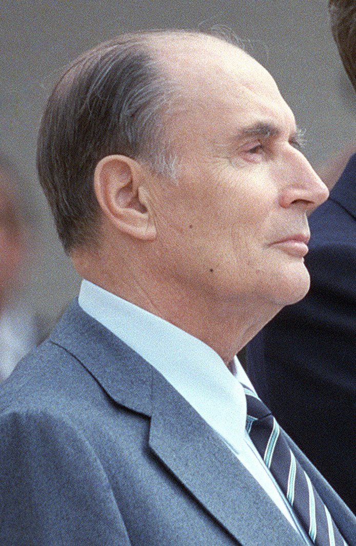 Reagan_Mitterrand_1984_(cropped_2).jpg