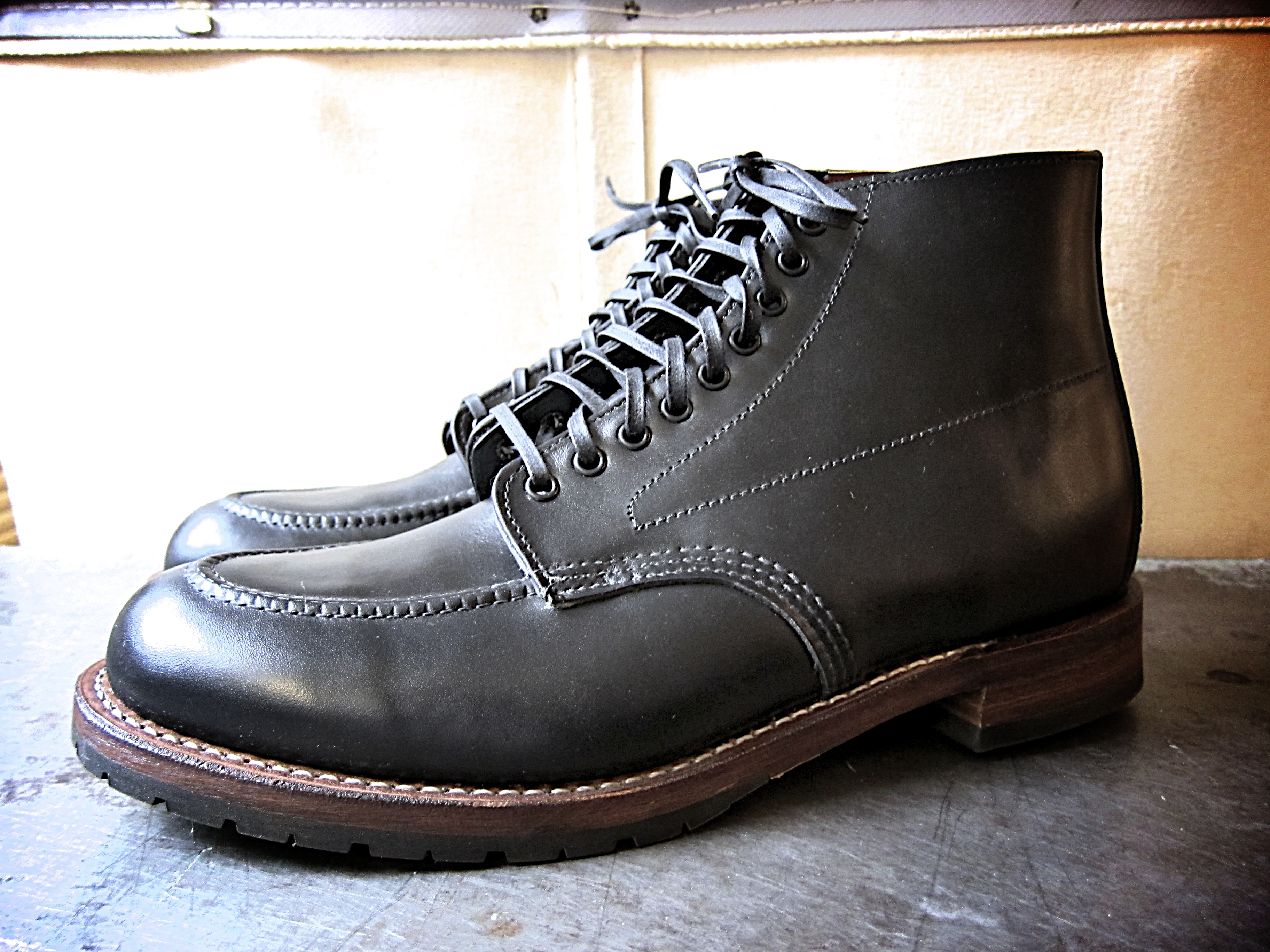 Red wing boots wikipedia english