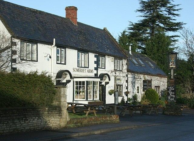 Somerset Arms, Semington - geograph.org.uk - 650302