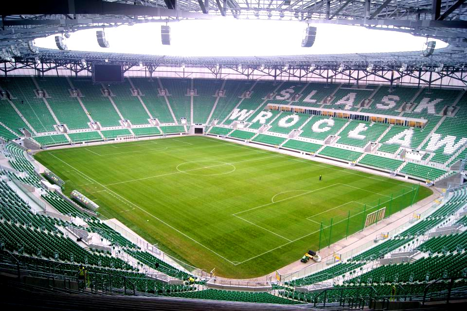 http://upload.wikimedia.org/wikipedia/commons/8/88/Stadion_Wroclaw_2011-11-18.jpg