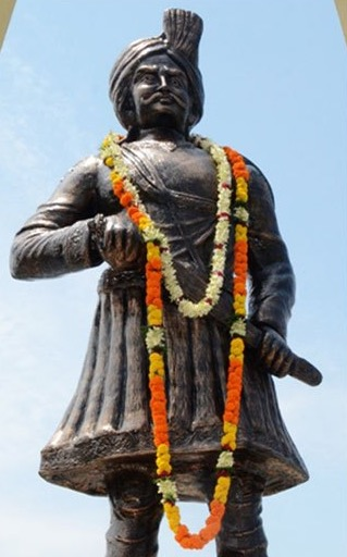 Statue of Thakur Vishwanath Shadeo.jpg