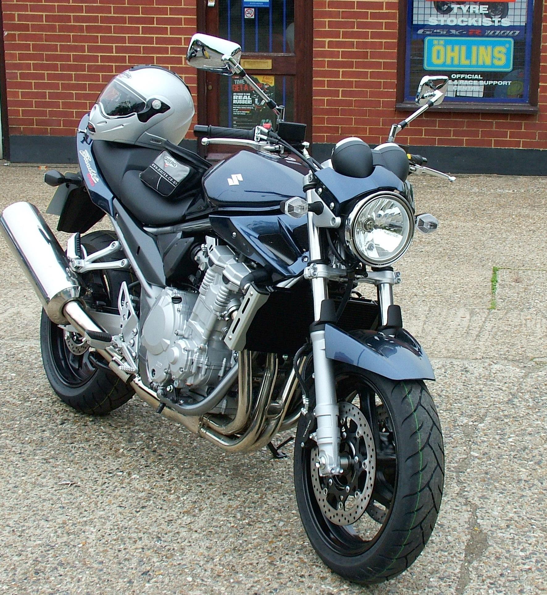 File:Suzuki Bandit 1250 01.jpg