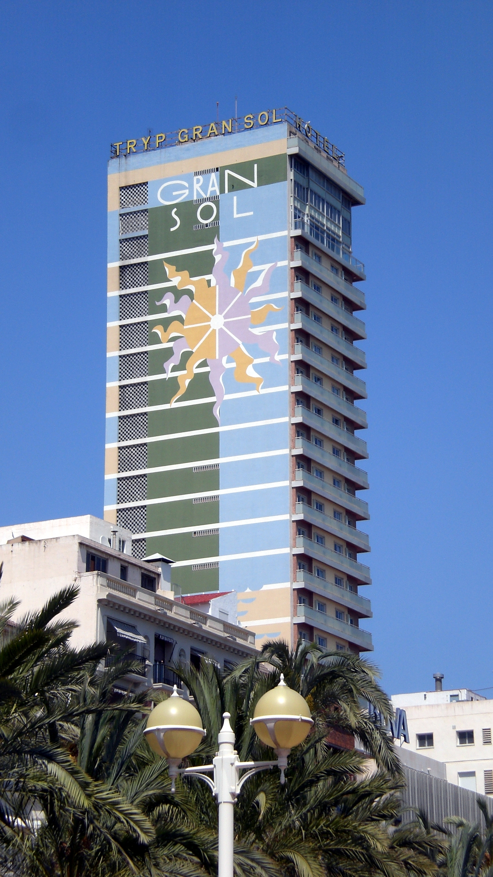 File:Tryp Grand Sol Hotel Alicante.jpg - Wikimedia Commons