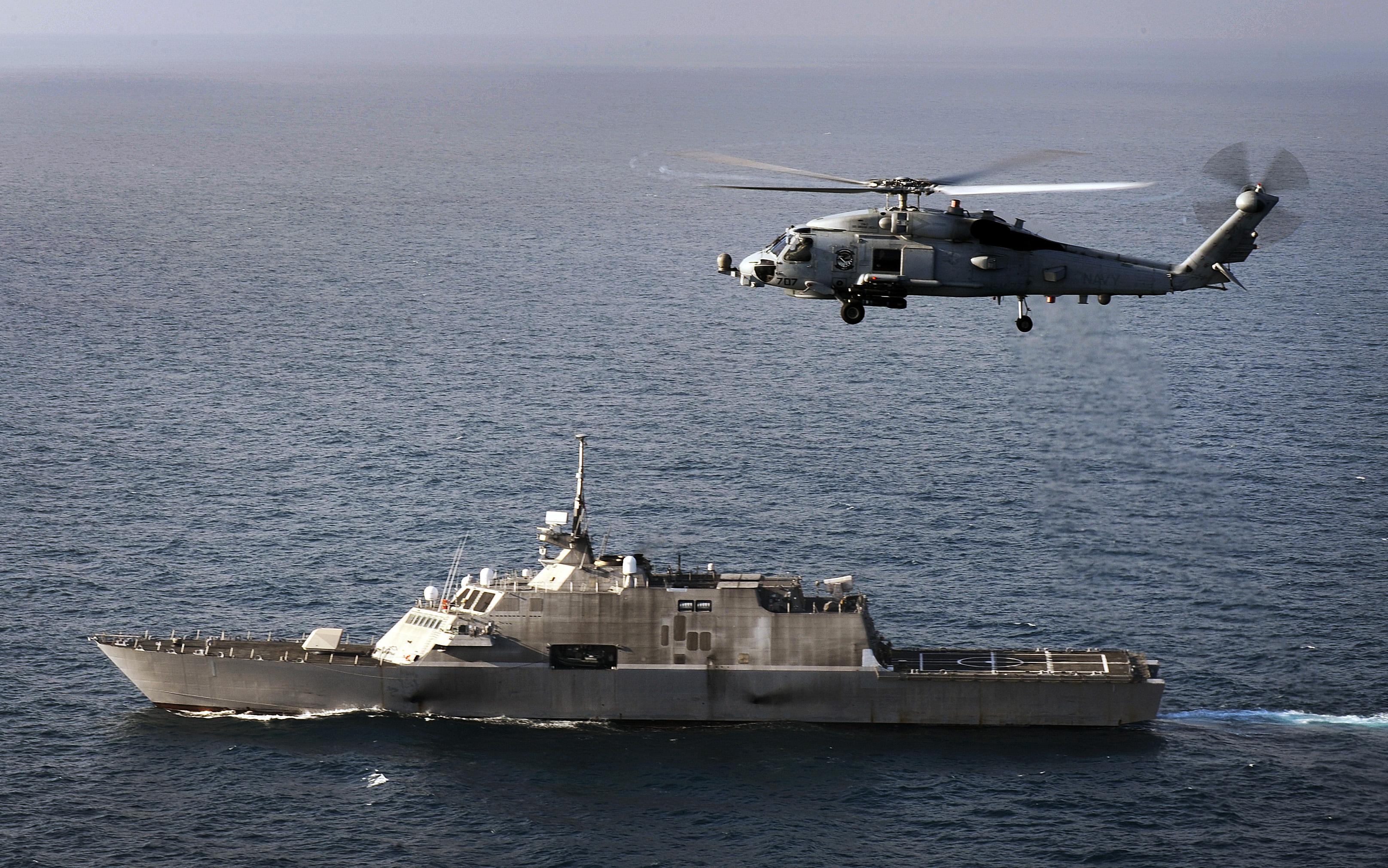 Resultado de imagen para MH-60 Sea Hawk + litoral ship