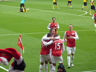Vermaelen and teammates after Alex Oxlade-Chamberlain scores Vermaelen after chamberlain goal.jpg