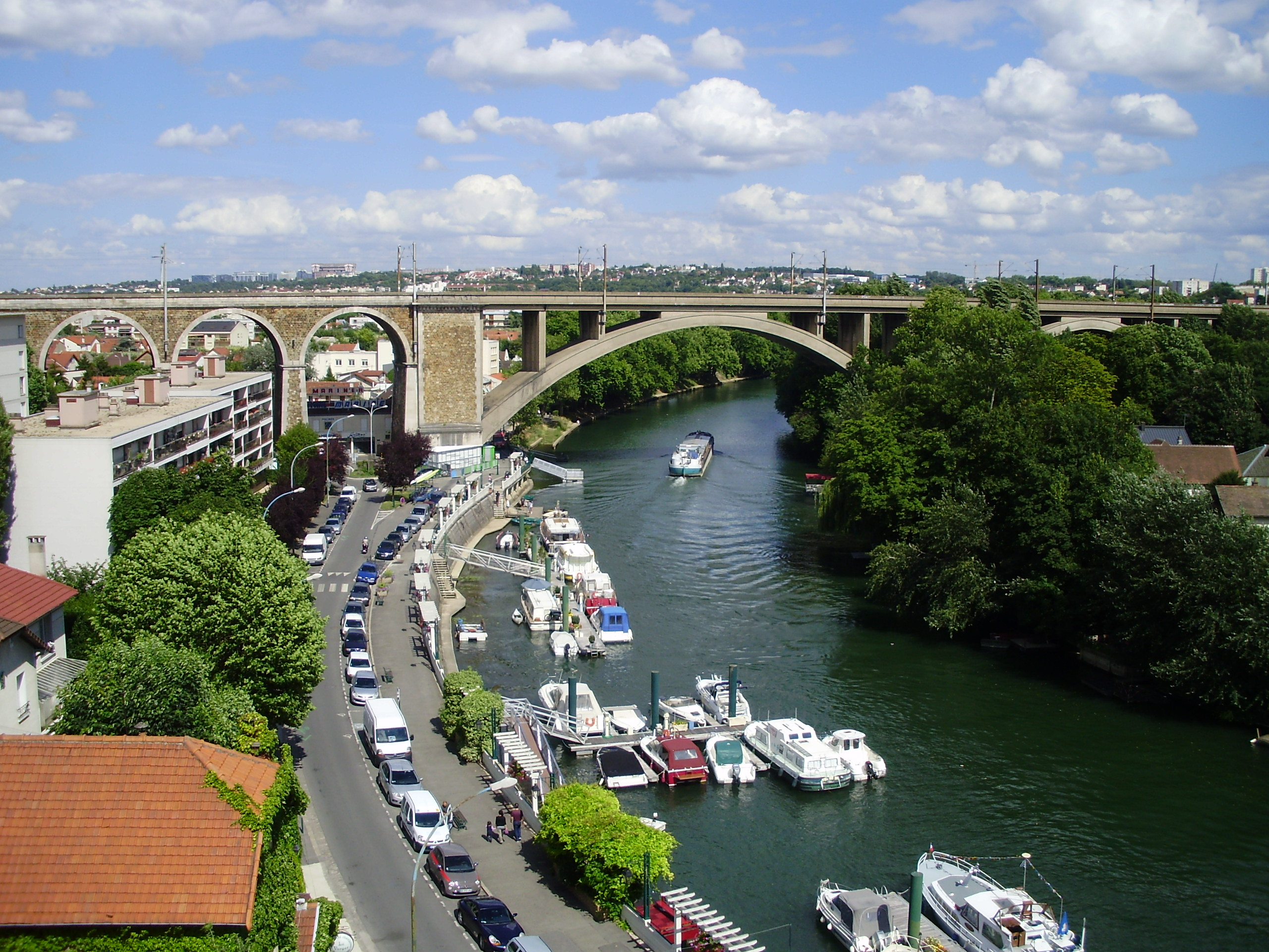 Perreux France  City pictures : The railway bridge in le Perreux, France