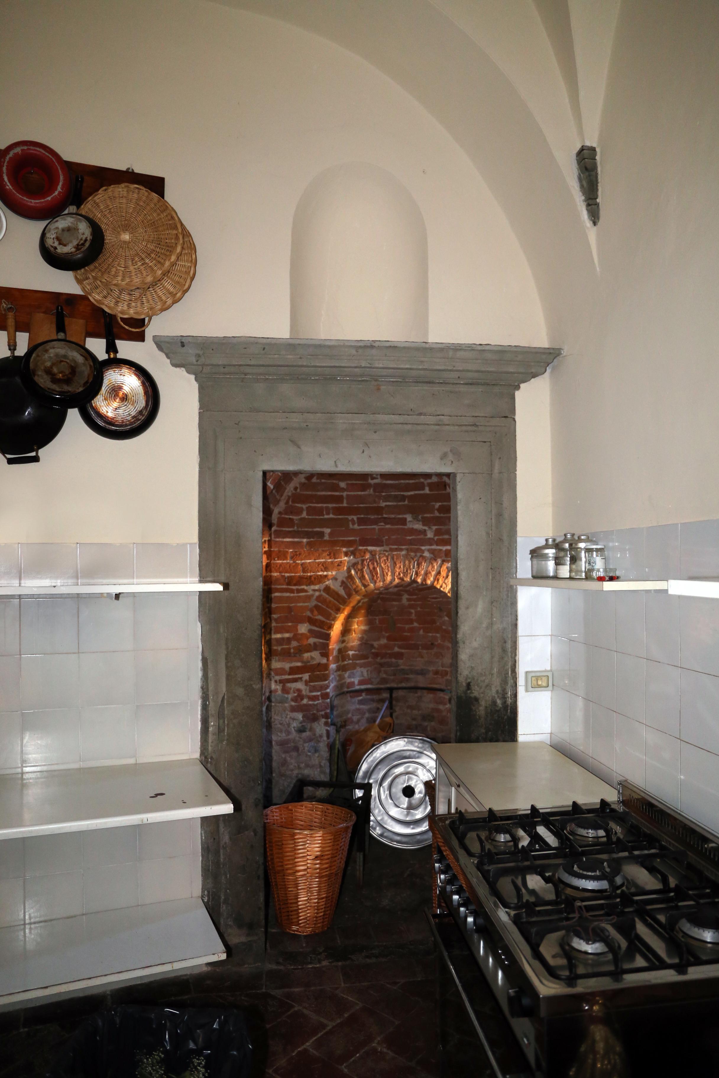 File:Villa rita di noce, antiche cucine 02.jpg - Wikimedia Commons