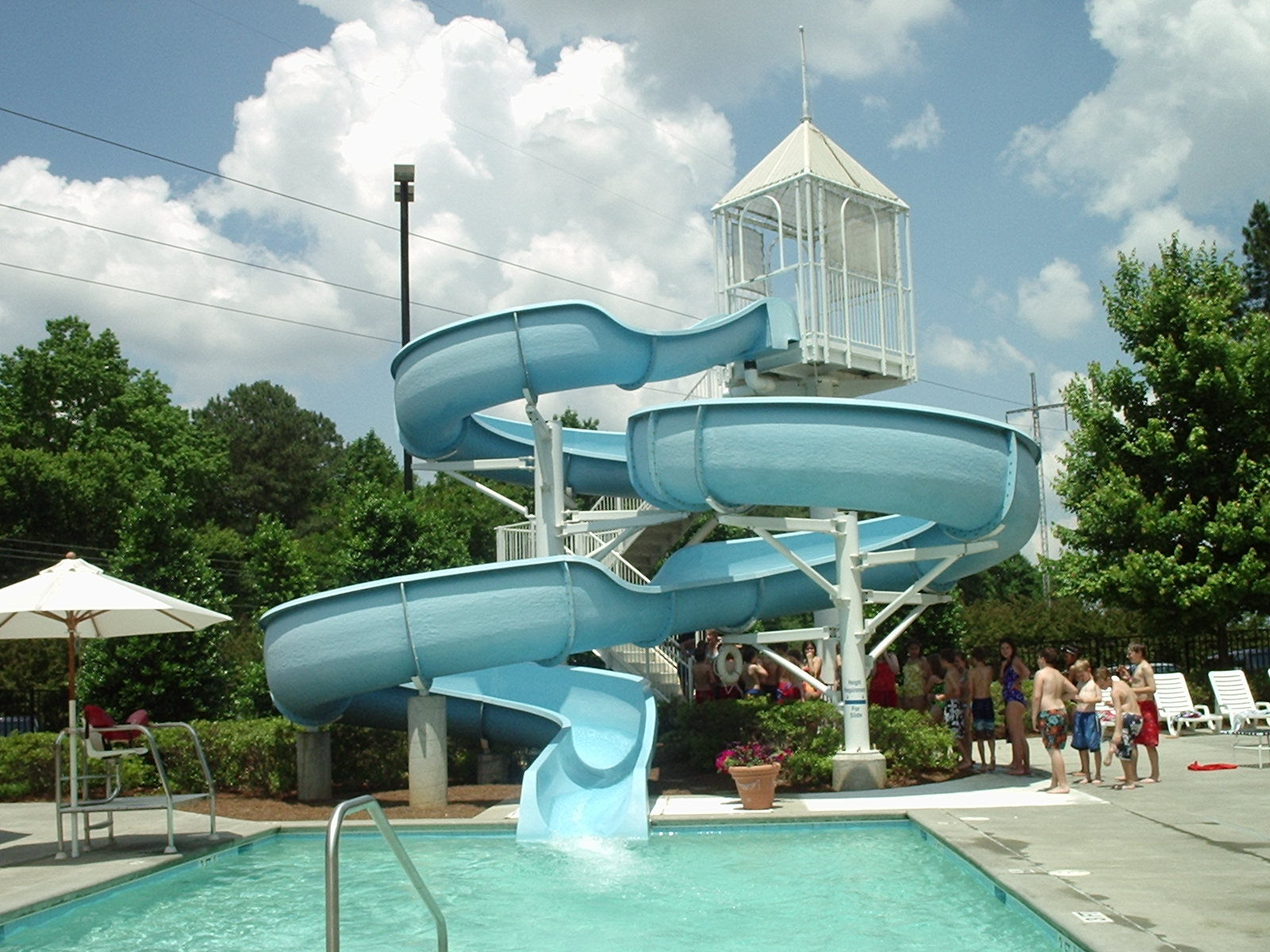 File water slide and wikimedia commons for Uses for old swimming pools