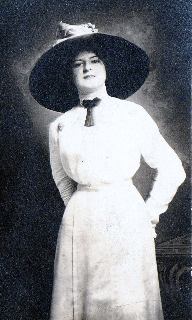 file woman in 1910s fashions jpg wikimedia commons