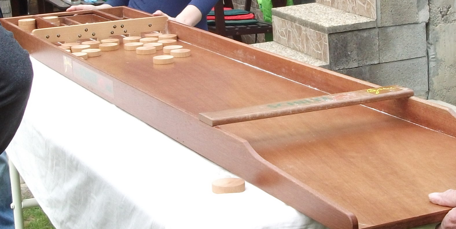 Dutch children's game Sjoelbak